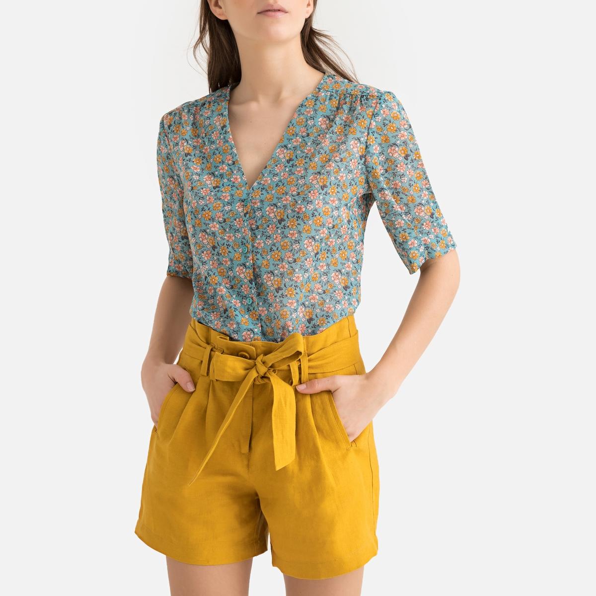 Camisa con cuello de pico, estampado floral, manga corta