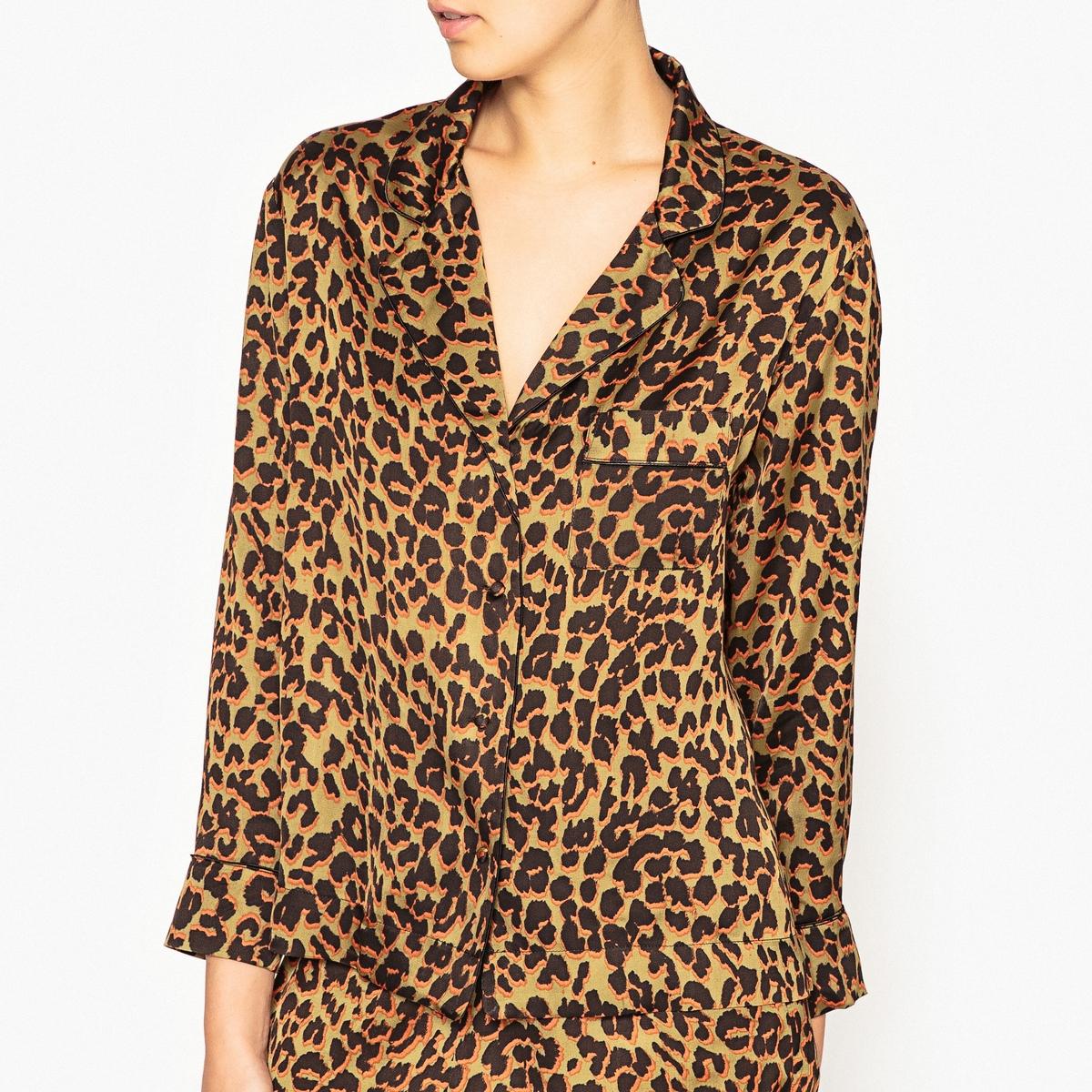 Рубашка от пижамы с рисунком JUDE XLРубашка от пижамы с рисунком LOVE STORIES - модель JUDE XL.Детали  •  Нагрудный карман с тесьмой •  Пуговицы обтянутые тканью •  Пижамный воротник •  Манжеты с отделкой тесьмойСостав и уход  •  52% вискозы, 48% района •  Следуйте советам по уходу, указанным на этикетке<br><br>Цвет: леопард