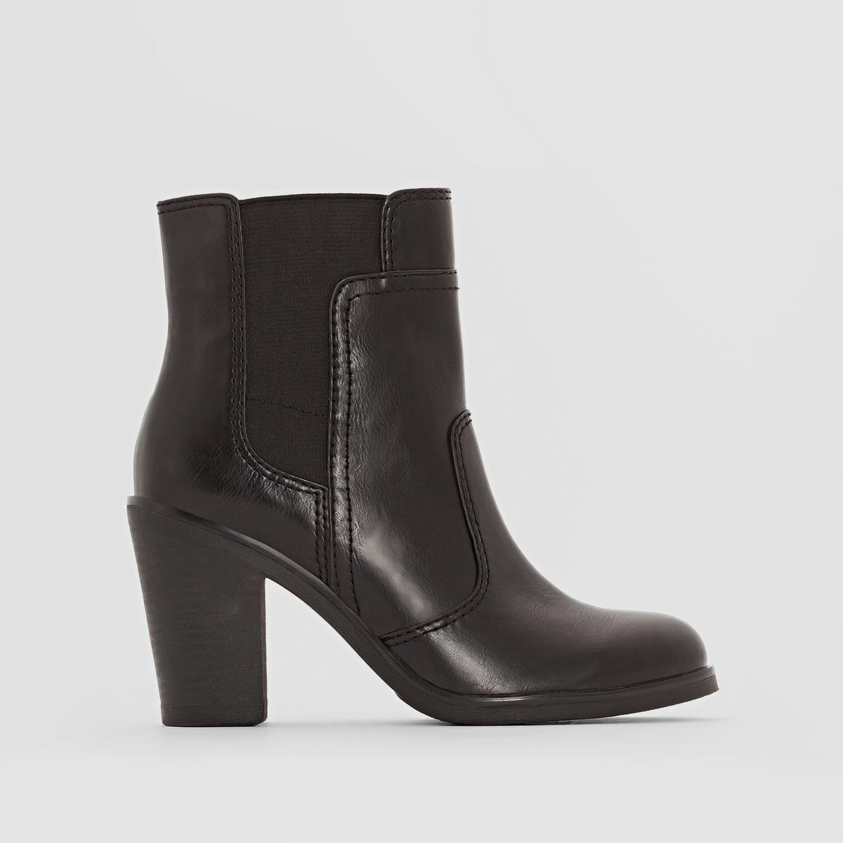 Ботильоны на каблуке CERVIA BOOTIEПодкладка: синтетический материал     Стелька: полиуретан   Подошва: каучук.   Высота каблука: 7 см   Высота голенища: 12 см   Форма каблука: широкий   Мысок: закругленный   Застежка: на молнии<br><br>Цвет: черный