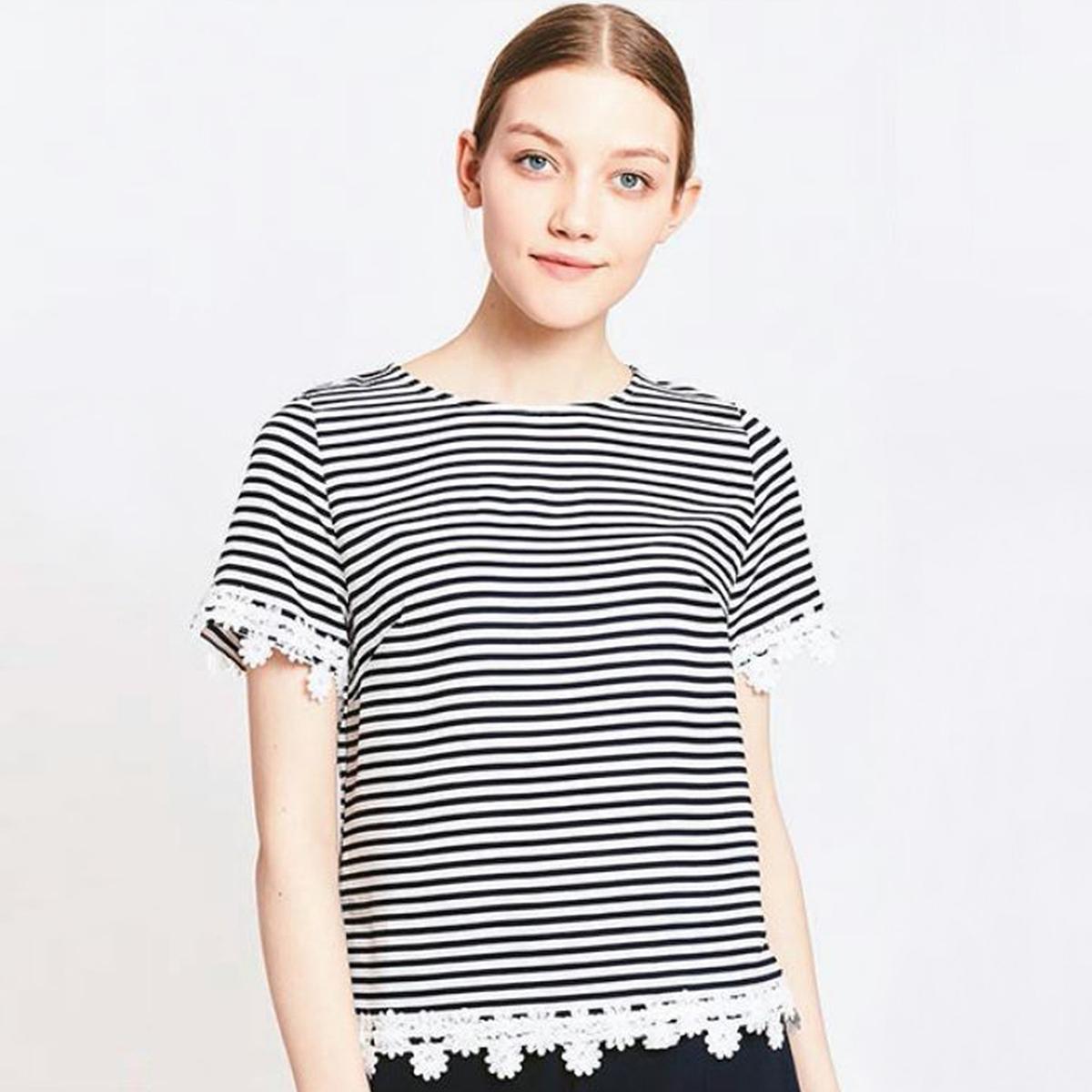 Блузка с круглым вырезом и короткими рукавами блузка с круглым вырезом и короткими рукавами
