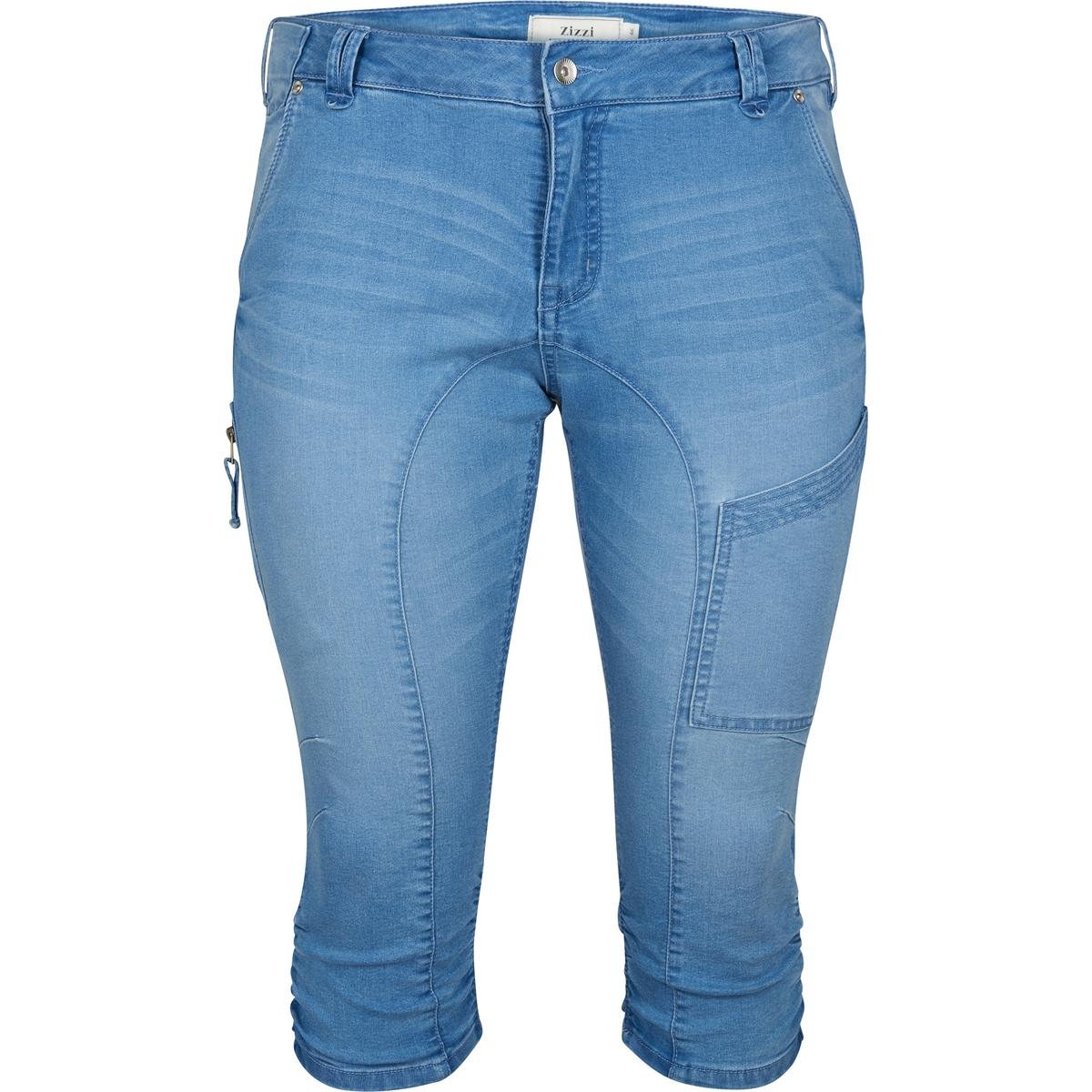 Джинсы каприМного деталей: видимые застежки на молнию, эластичные вставки по низу брючин, карман карго на бедрах,  ремень с двойной пряжкой, карманы сзади.<br><br>Цвет: синий джинсовый<br>Размер: 42 (FR) - 48 (RUS)