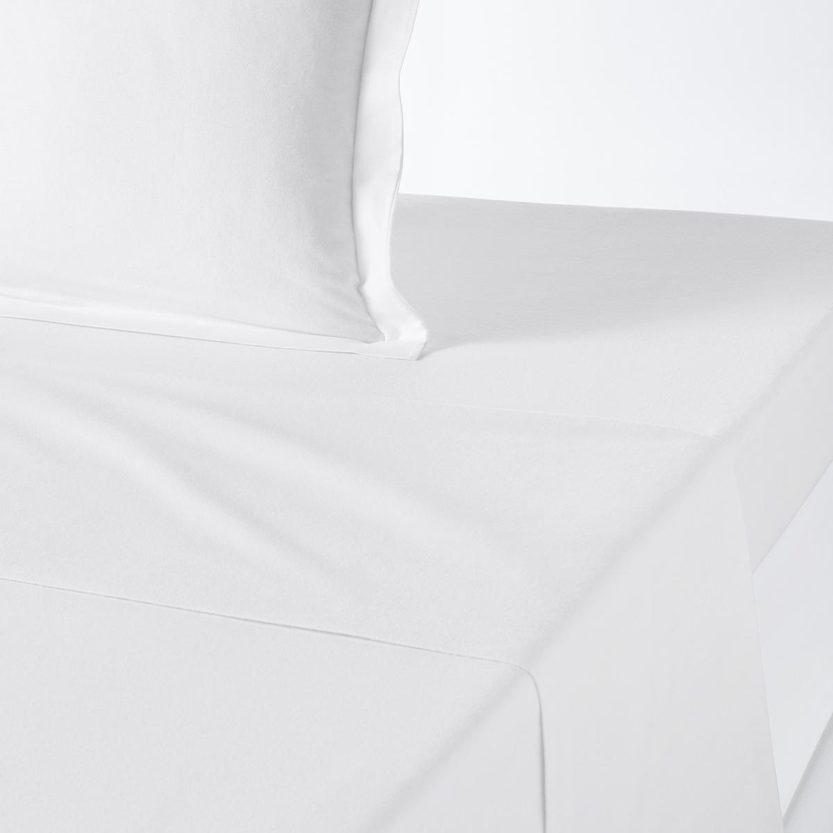 Простыня из фланелиПростыня из плотной фланелевой ткани (170 г/м?) 100% хлопка, теплая и нежная, с невероятно устойчивым цветом. Известная своей теплотой и комфортом, фланель идеально подходит для встречи зимы.Превосходная стойкость цвета при стирке (60°).                                                                                                                                   Знак Oeko-Tex® дает гарантию того, что изделия изготовлены без применения химических средств и не представляют опасности для здоровья человека.Простыня: 180x290 см240х290 см270x290 см<br><br>Цвет: белый,бордовый,желтый кукурузный,зеленый хаки,светло-бежевый,серо-коричневый,серо-розовый,серый меланж,сине-зеленый,синий индиго,темно-оранжевый,угольно-серый,ярко-фиолетовый<br>Размер: 180 x 290  см.240 x 290  см.270 x 290  см.180 x 290  см.270 x 290  см.180 x 290  см.240 x 290  см.180 x 290  см.270 x 290  см.180 x 290  см.240 x 290  см.270 x 290  см.180 x 290  см.270 x 290  см.180 x 290  см.180 x 290  см