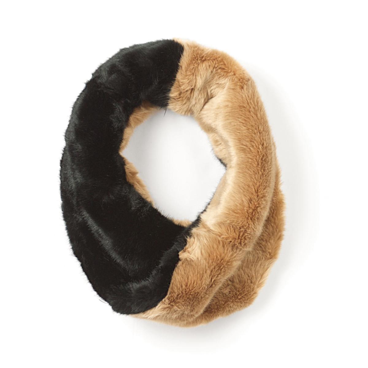 Снуд двухцветныйОписание:Очень мягкий и женственный снуд из искусственного меха: можно носить весь сезон! Состав и описание :  •  Материал : синтетика •  Марка :       R ?dition •  Размер :  42 x В.20 см<br><br>Цвет: черный/ бежевый<br>Размер: единый размер