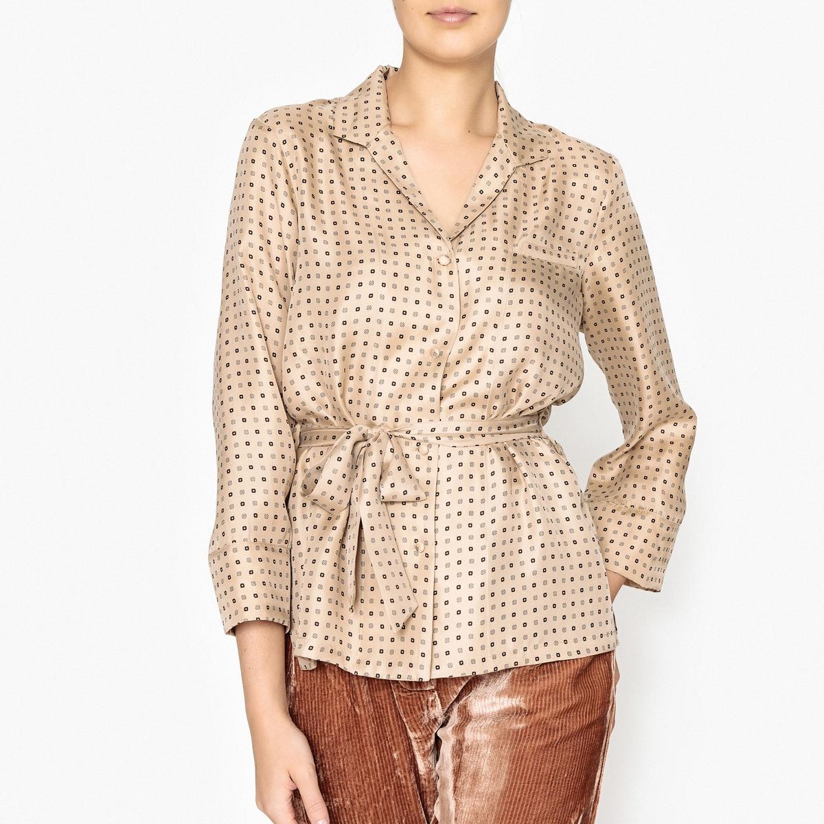 Рубашка шелковая с рисунком TWILIGHTРубашка средней длины с длинными рукавами MES DEMOISELLES - модель TWILIGHT с рубашечным воротником и завязками на поясе.Детали •  Длинные рукава •  Покрой свободный •  Рисунок-принтСостав и уход •  100% шелк •  Следуйте советам по уходу, указанным на этикетке<br><br>Цвет: бежевый