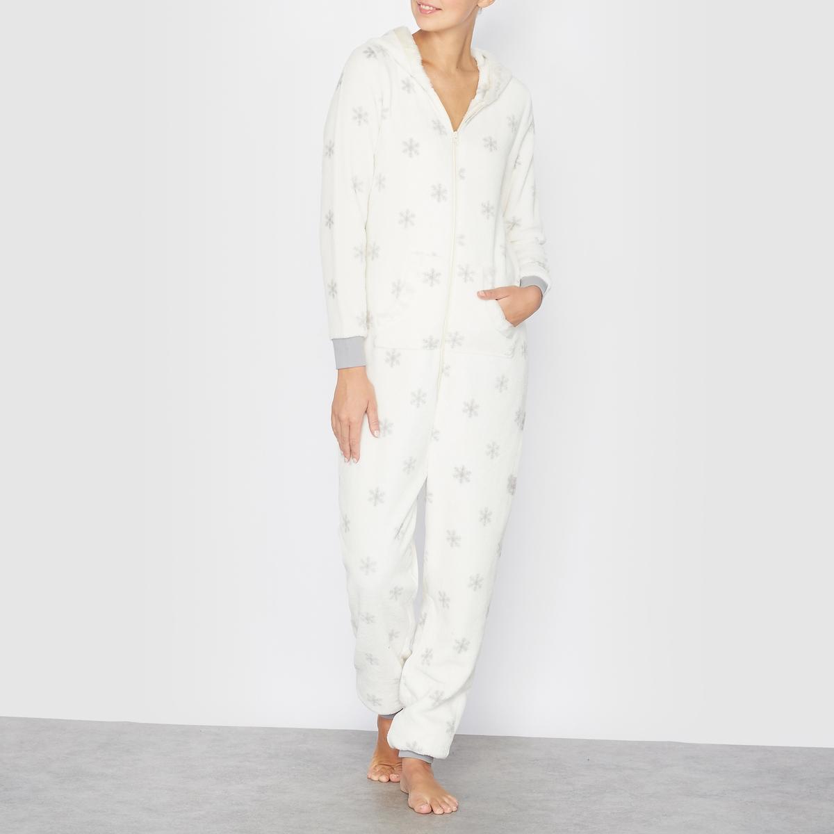 Пижама-комбинезон с капюшоном и с рисунком