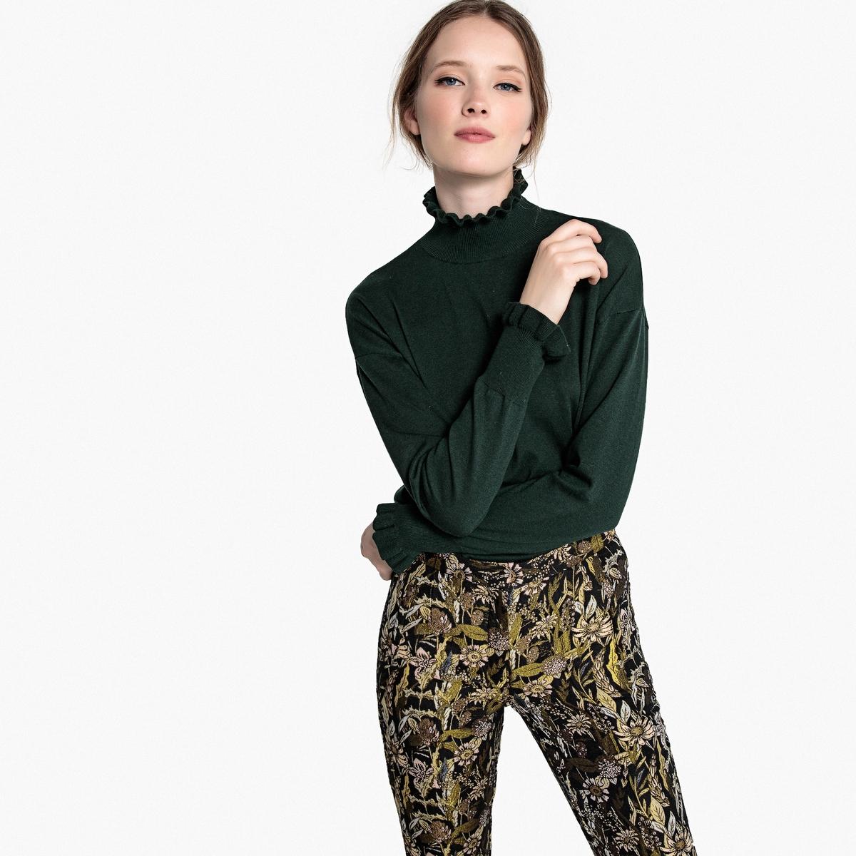 Пуловер с воротником-стойкой воланом