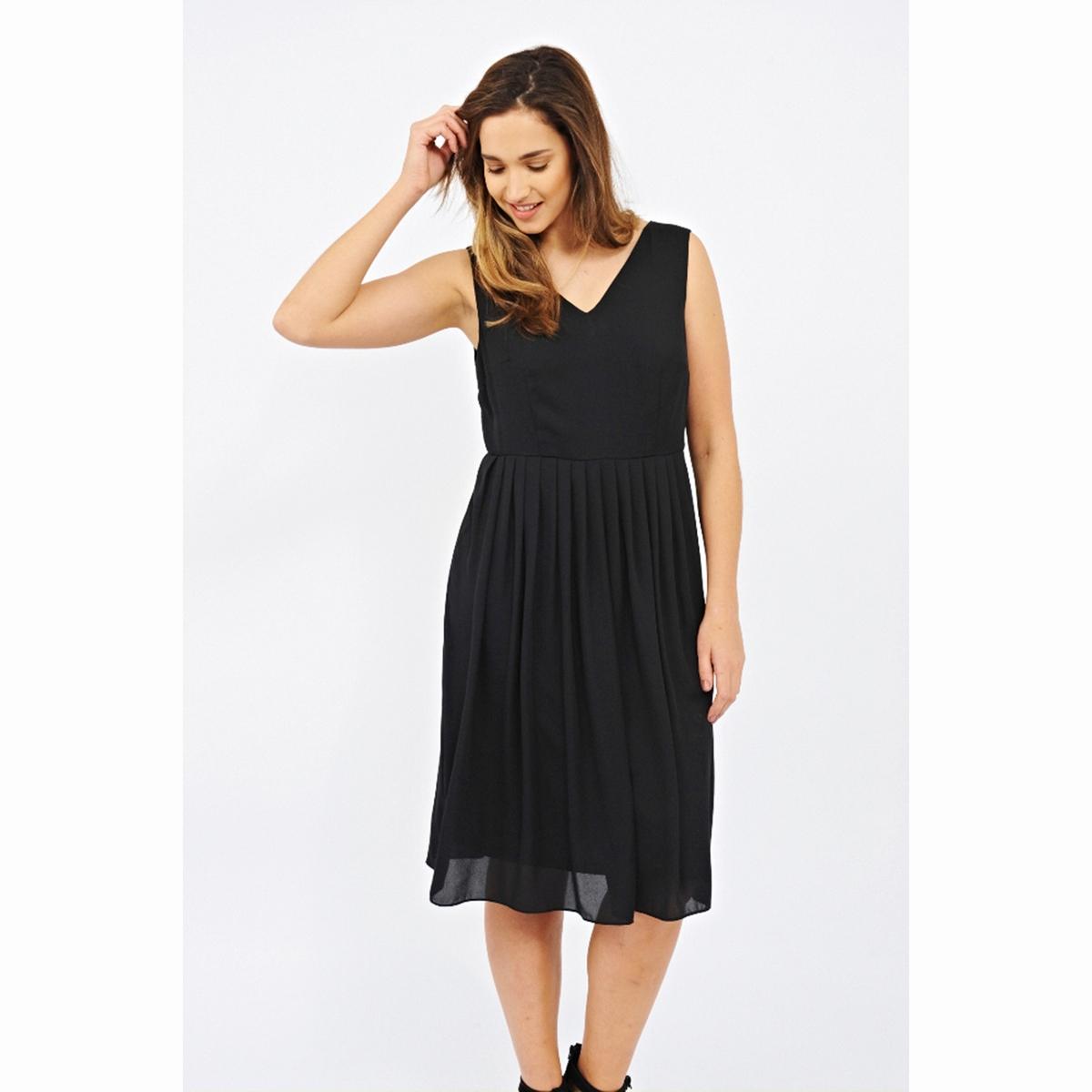 ПлатьеПлатье - KOKO BY KOKO. V-образный вырез спереди и сзади. Длина ок.104 см. 100% полиэстера.<br><br>Цвет: черный