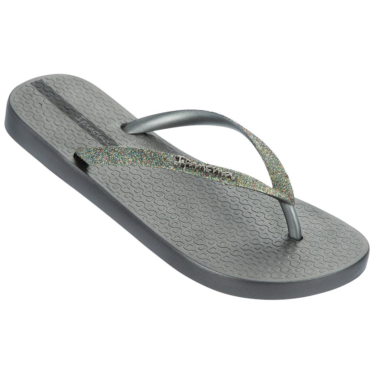 Вьетнамки Lolita IIIПодошва: каучук Форма каблука: плоская Мысок: закругленный Застежка: без застежки<br><br>Цвет: серебристый