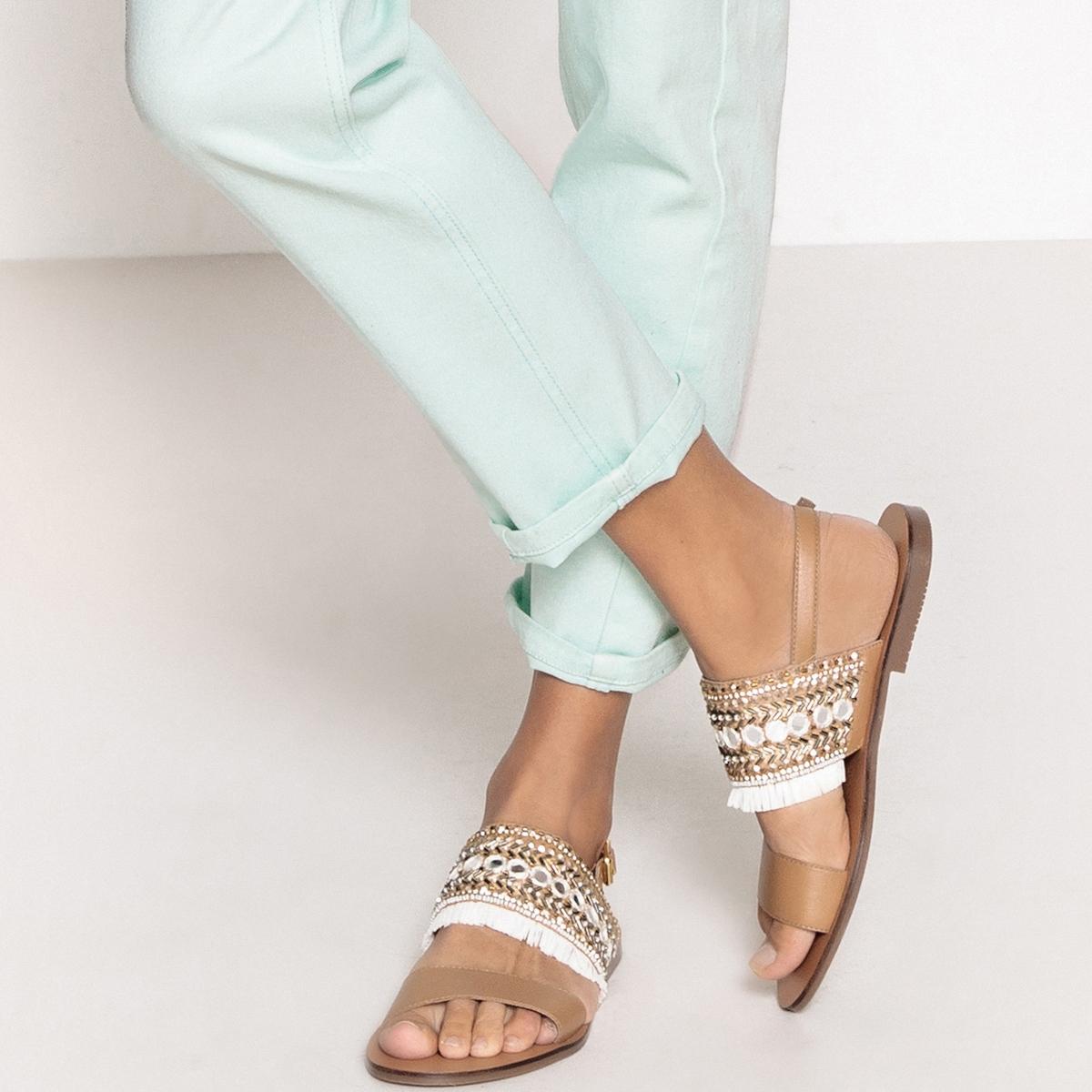 Sandalias de piel, detalle flecos