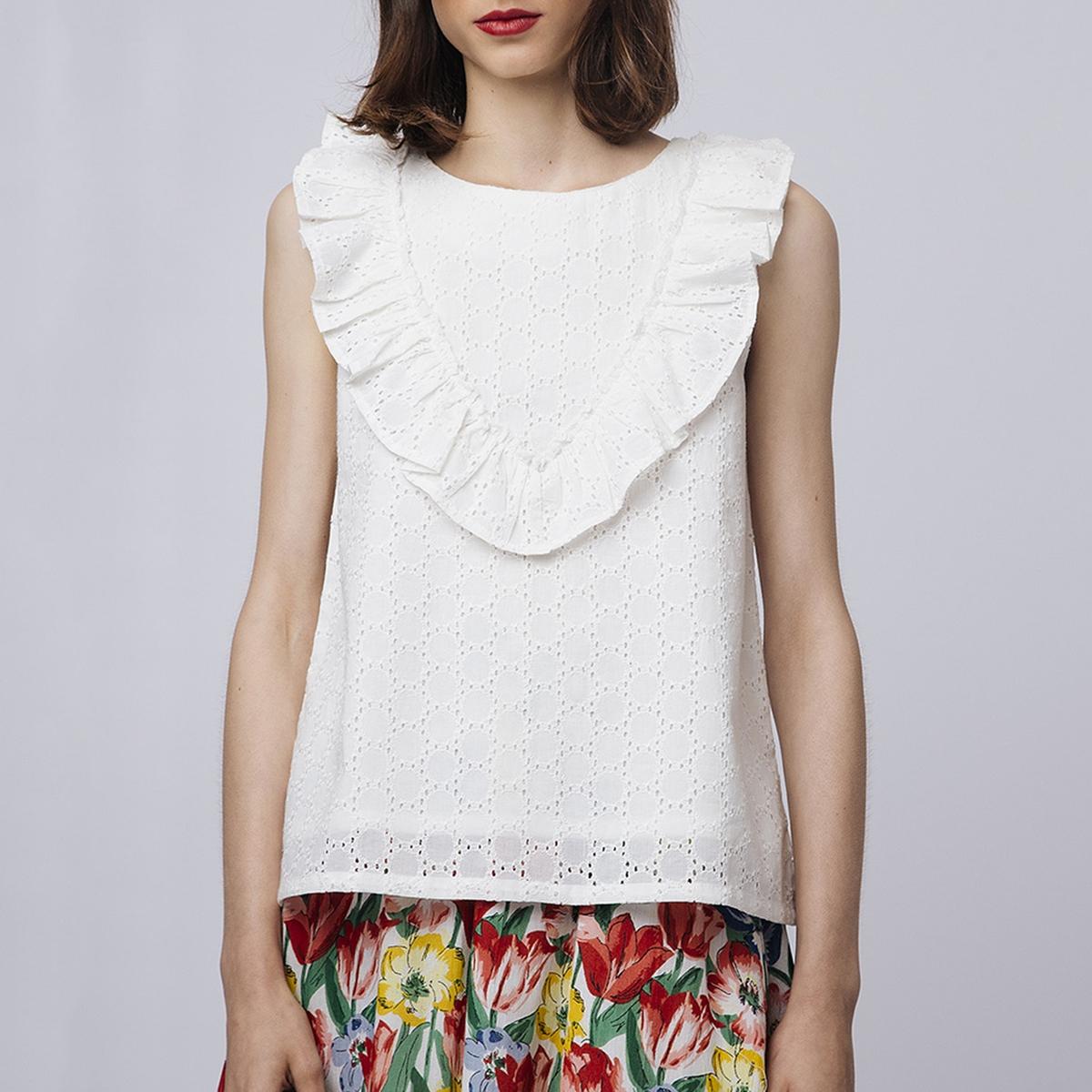 Blusa bordada com folho, gola redonda, de cavas