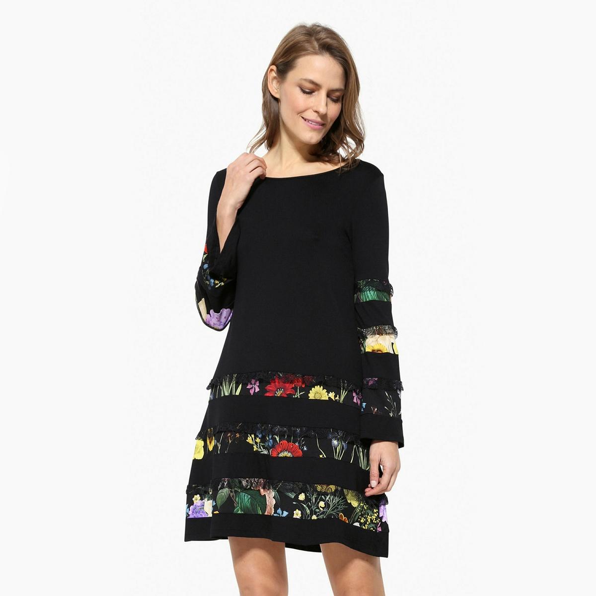 Платье короткое с длинными рукавамиДетали •  Форма : МИНИ •  короткое  •  Длинные рукава     •  Круглый вырез •  Графический рисунокСостав и уход •  96% вискозы, 4% эластана •  Следуйте советам по уходу, указанным на этикетке<br><br>Цвет: черный<br>Размер: XL.L
