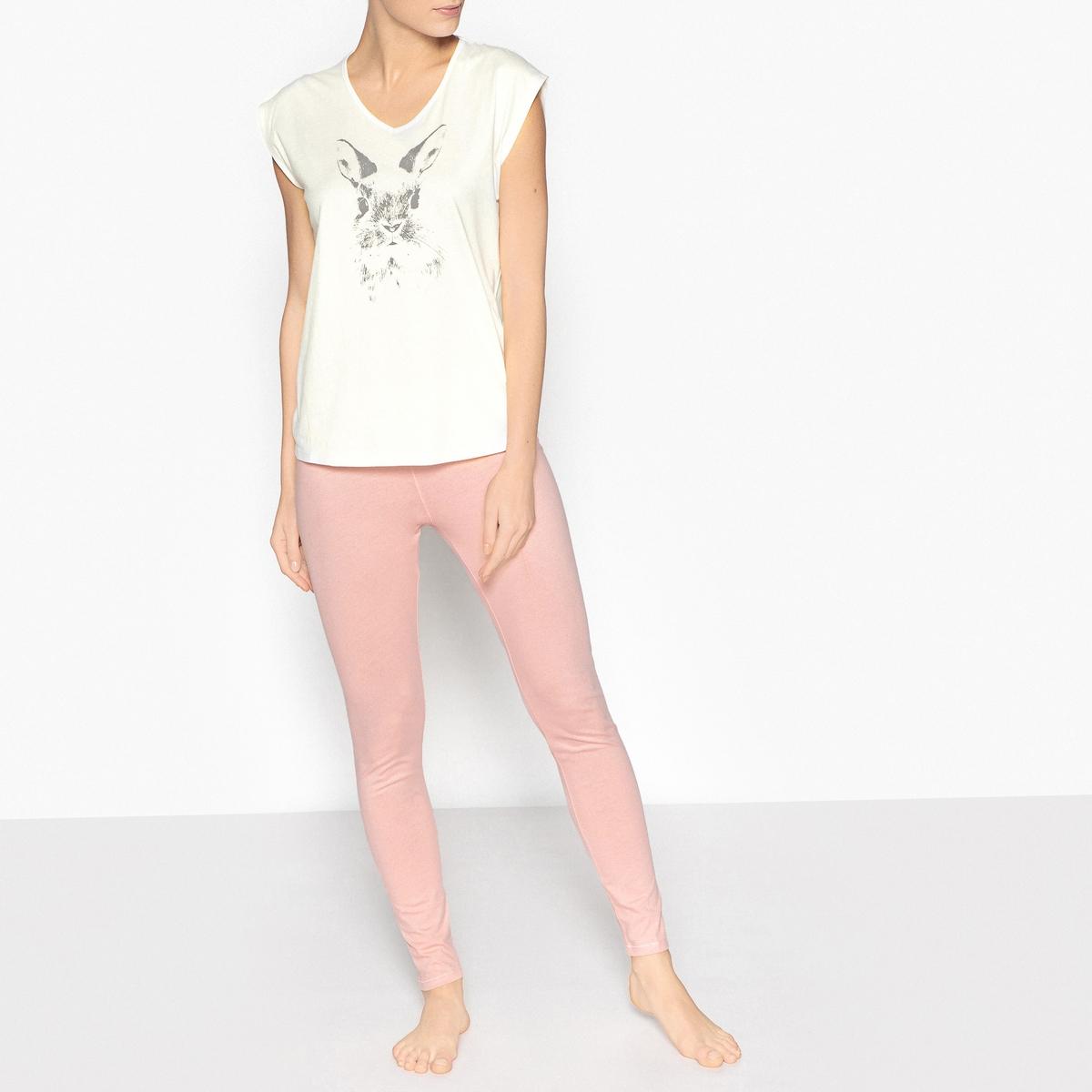 Пижама с рисунком зайчикОписание:Очаровательная пижама с большим зайчиком на футболке спереди  . Низ в форме леггинсов, в которых удобно отдыхать и спать .Детали•  Верх прямого покроя . •  Короткие рукава. •   V-образный вырез. •  Рисунок зайчик спереди . •  Низ-леггинсы . •  Длина : Высота : 65 см.Длина по внутр.шву : 77 смСостав и уход •  Материал : 100% хлопок. •  Машинная стирка при 40°C в деликатном режиме. •  Стирать с вещами схожих цветов. •  Стирать и гладить с изнаночной стороны. •  Гладить при низкой температуре.<br><br>Цвет: розовый/ белый<br>Размер: 34/36 (FR) - 40/42 (RUS).50/52 (FR) - 56/58 (RUS).46/48 (FR) - 52/54 (RUS).42/44 (FR) - 48/50 (RUS).38/40 (FR) - 44/46 (RUS)