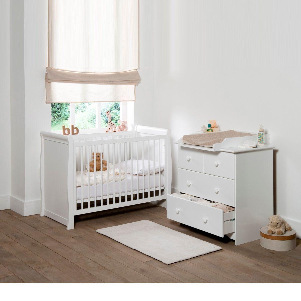 Lit b b chambre b b chambre dans assistant de naissance for Amenager chambre bebe dans chambre parents