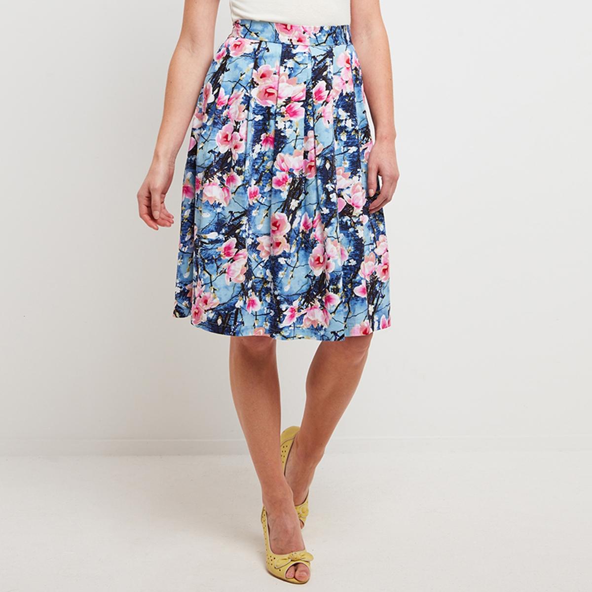 Платье средней длины с цветочным рисунком, расширяющееся к низуОписание:Детали •  Форма: расклешенная •  Длина до колен  •  Цветочный рисунок  Состав и уход •  100 % полиэстер •  Следуйте советам по уходу, указанным на этикетке<br><br>Цвет: синий/цветочный рисунок<br>Размер: 38 (FR) - 44 (RUS)
