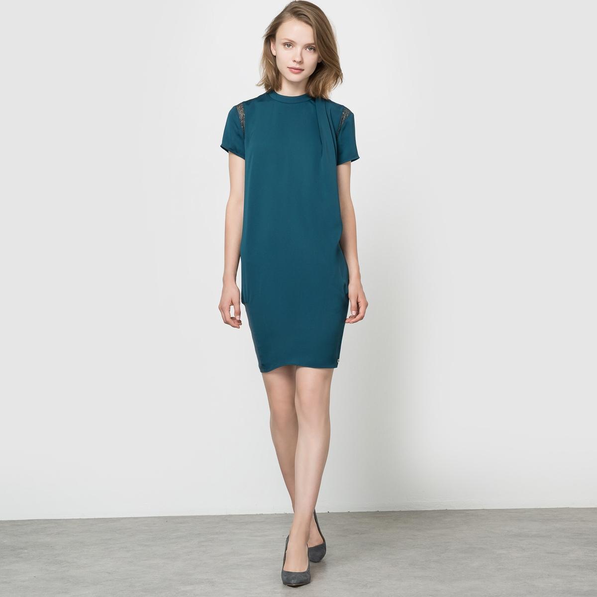 Платье с короткими рукавамиСостав и описаниеМарка : LES PTITES BOMBESМатериал : 100% полиэстера. Подкладка: 95% вискозы, 5% эластана. Кружево из 100% полиэстера.<br><br>Цвет: сине-зеленый