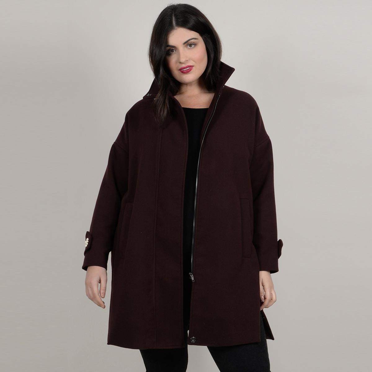 Пальто длинное с застежкой на молнию и воротником-стойкой с украшением