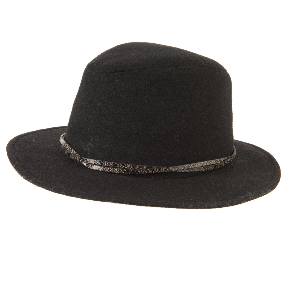 Шляпа FedoraНезаменимый предмет гардероба в этом сезоне, шляпа Fedora -  это сенсация: модная шляпа, подчеркивающая и придающая великолепие Вашему лицу. Состав и описание Материал: 100% фланель. Размеры:  единый Уход : Следуйте рекомендациям по уходу, указанным на этикетке изделия.<br><br>Цвет: черный<br>Размер: единый размер