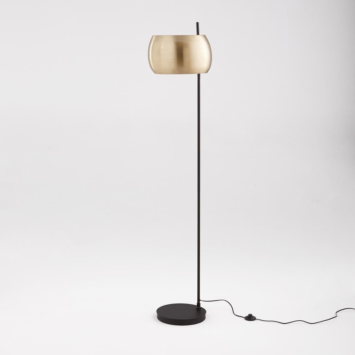 Торшер из металла черного цвета и латуни EloriТоршер из металла Elori. Благодаря строгой форме и отделкой латунью лампа подходит для любой комнаты и придаст модных ноток вашему декору.Описание торшера из металла Elori :Патрон E27 для компактной флуоресцентной лампы макс. 15 Вт (продается отдельно).Светильник совместим с лампами класса энергопотребления : A. Характеристики торшера из металла Elori :Ножка и основание из металла с покрытием эпоксидной краской.Абажур из металла с латунным покрытием.Другие модели коллекции Elori вы можете найти на сайте laredoute.ruРазмеры торшера из металла Elori :Высота 158 см, длина 38 см, глубина 38 см.Абажур : ?35 x В.19,5 см. Размер и вес посылки : 1 посылкаШ.40 x Г.40 x В.73 см.8,8 кг.<br><br>Цвет: черный/латунь