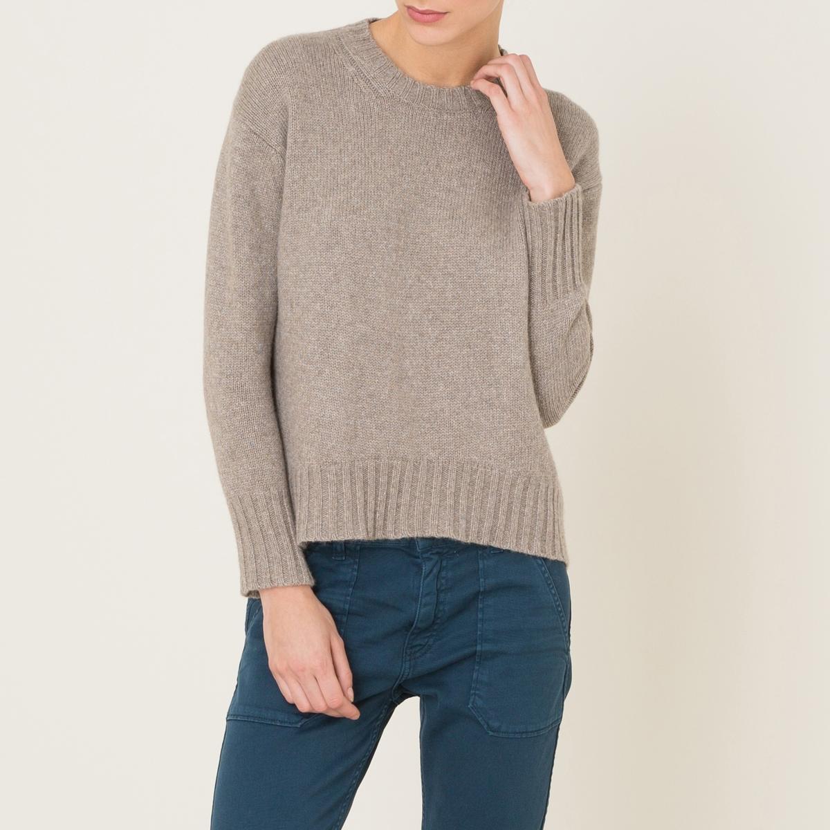 Пуловер с круглым вырезомСостав и описание    Материал : 50% альпаки, 25% шелка, 25% кашемира   Марка : POMANDERE<br><br>Цвет: бежевый