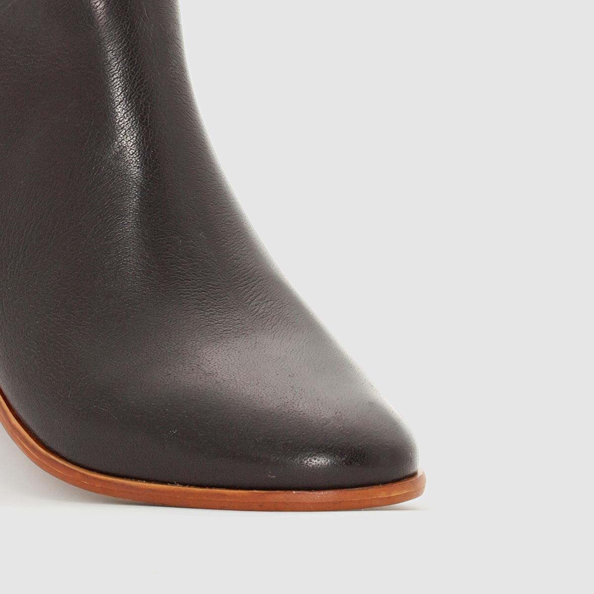 Ботильоны кожаные на каблуке в стиле вестерн