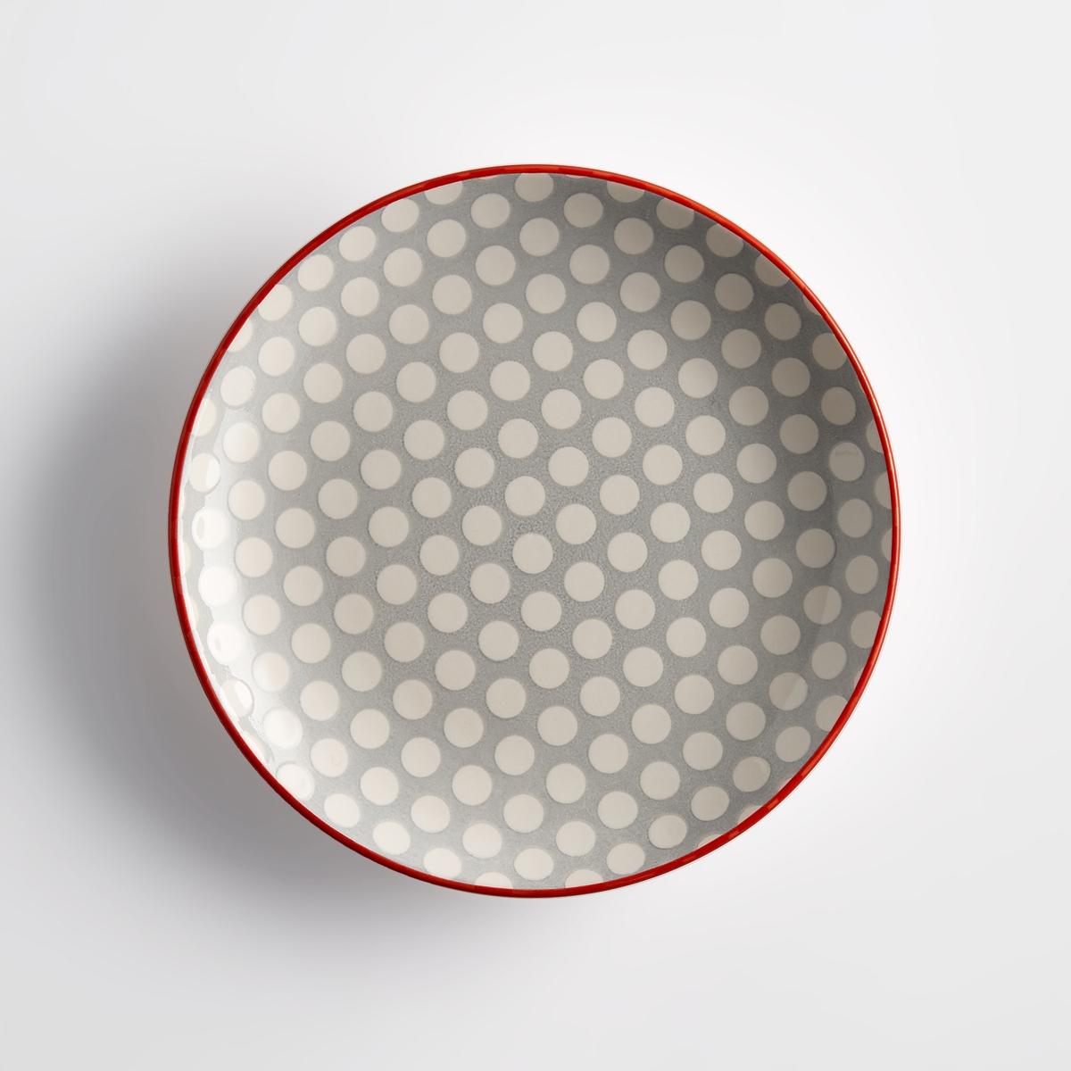 4 десертные тарелки из фаянса, DotkaУсовершенствованная форма тарелки Dotka обеспечивает ее функциональность, графический рисунок придает ей индивидуальность, которая отлично сочетается с любым стилем современной кухни. Характеристики 4 тарелок из фаянса Dotka :Из фаянса.Рисунок в горошек.Однотонная кайма контрастного цвета.Размеры 4 тарелок из фаянса Dotka :Диаметр. 19 см.Другие тарелки и предметы декора стола вы можете найти на сайте laredoute.ru<br><br>Цвет: в горошек розовый/белый,в горошек серый/белый,зеленый в горошек экрю