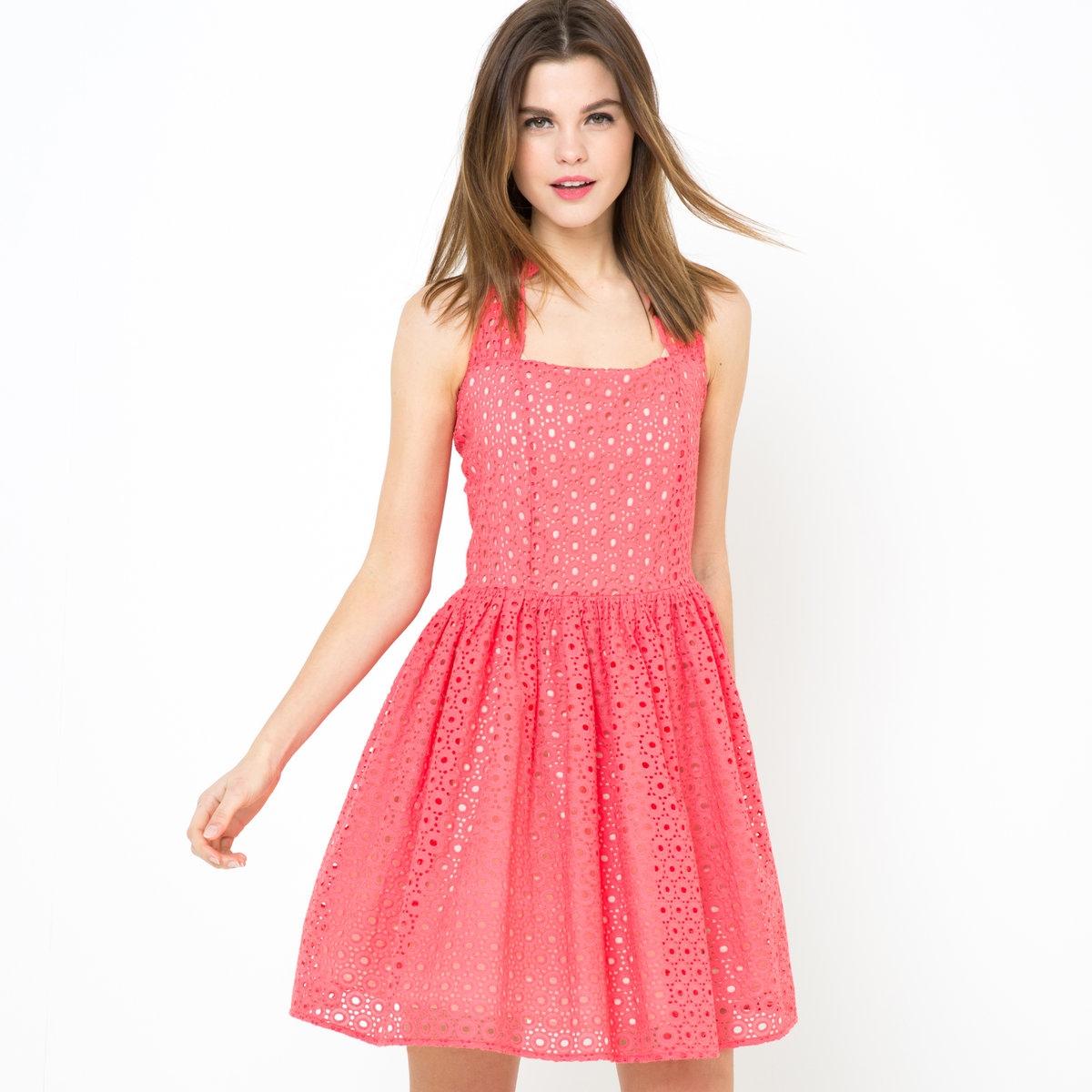 Платье из шитья с открытой спинойОчаровательное платье из шитья, 100% хлопка. Квадратный вырез спереди. Открытая спина. Отрезное по талии. Длина ок.74 см.<br><br>Цвет: розовый<br>Размер: 40 (FR) - 46 (RUS).42 (FR) - 48 (RUS).44 (FR) - 50 (RUS)