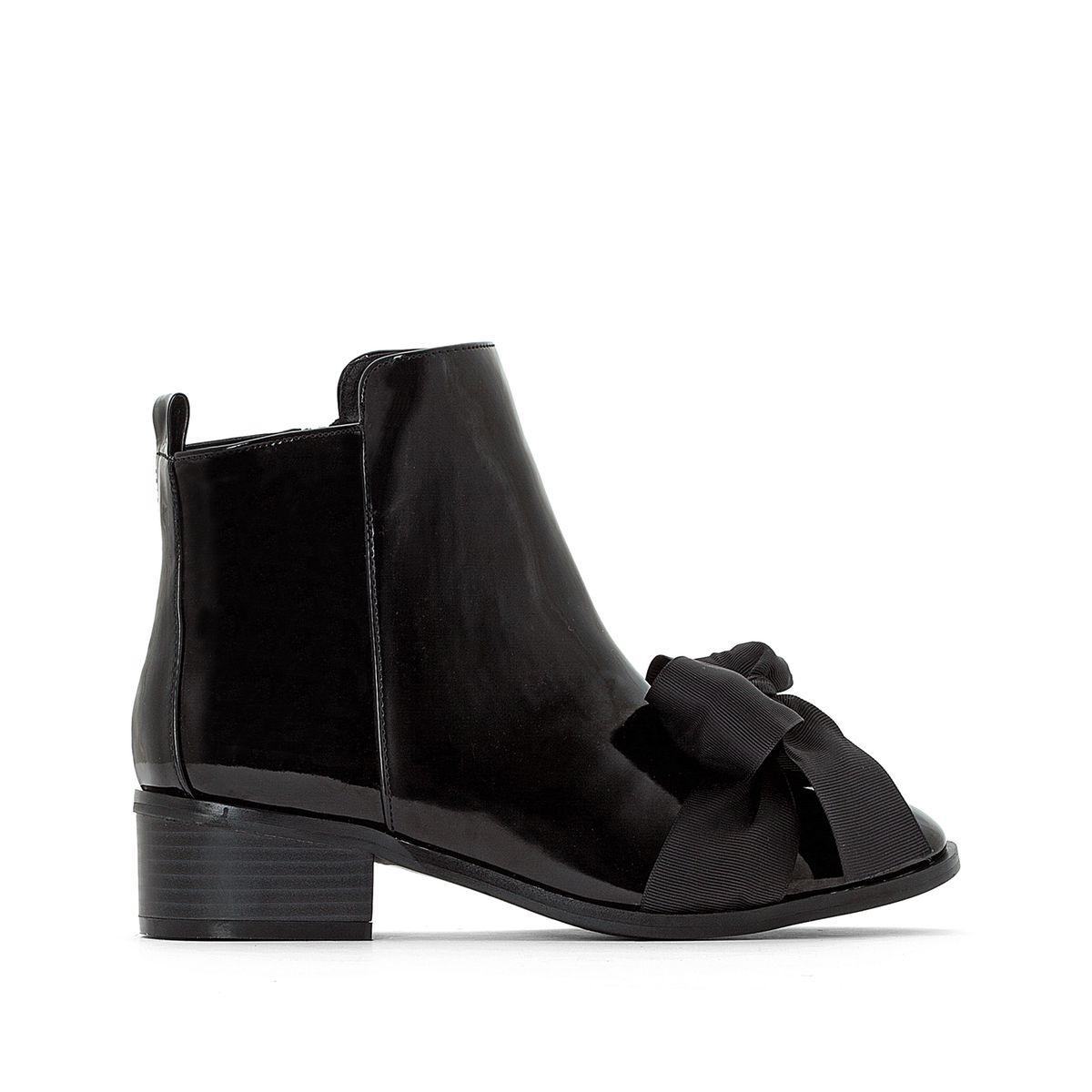 Boots effet vernis, noeud