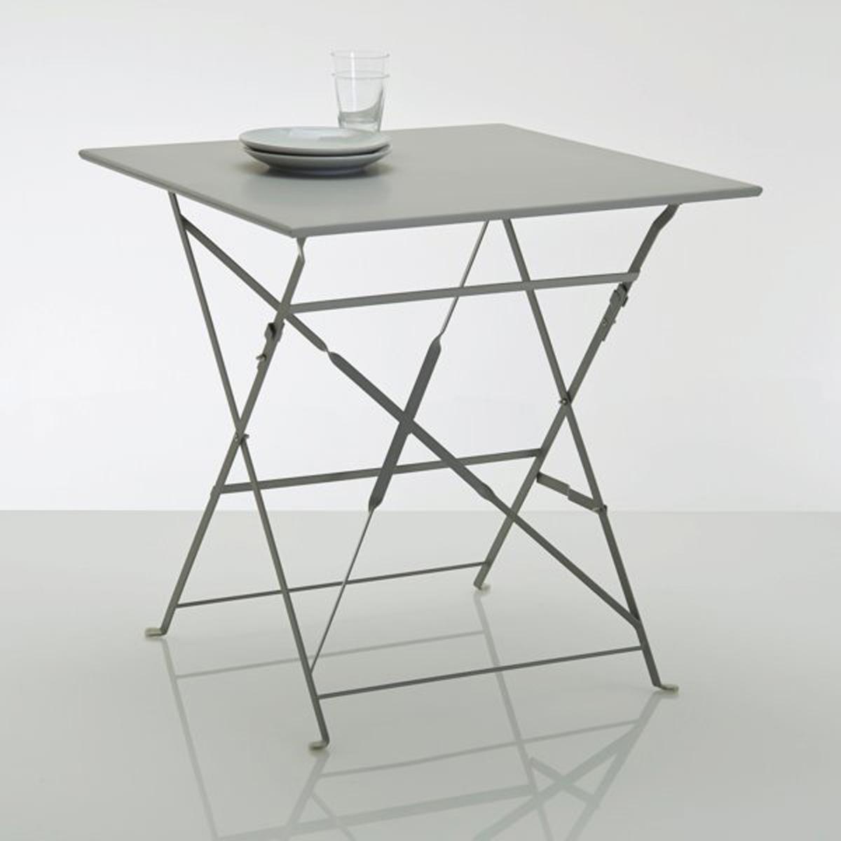 Стол складной квадратной формы из металла OZEVANСовременный и практичный складной стол различных расцветок!Характеристики стола OZEVAN :- Метал с цветным лаковым покрытием.- Финальная отделка эпоксидной краской.Размеры :Дл. 70 x Выс. 70 x Гл. 70 см.Толщина в сложенном виде : 5 см.Данная модель складного стола поставляется в собранном виде.Идея для декора : минимум места для хранения и максимум стиля : установите рядом два стола разных цветов.Металл, из которого изготовлен этот стол, имеет антикоррозийную обработку и покрыт эпоксидной краской, что упрощает уход за ним и делает его устойчивым к ржавчине и непогоде. Легкий, просто перемещать и хранить.Эта модель стола доставляется на дом двумя грузчиками на этаж (дополнительная плата не требуется).<br><br>Цвет: белый,серый