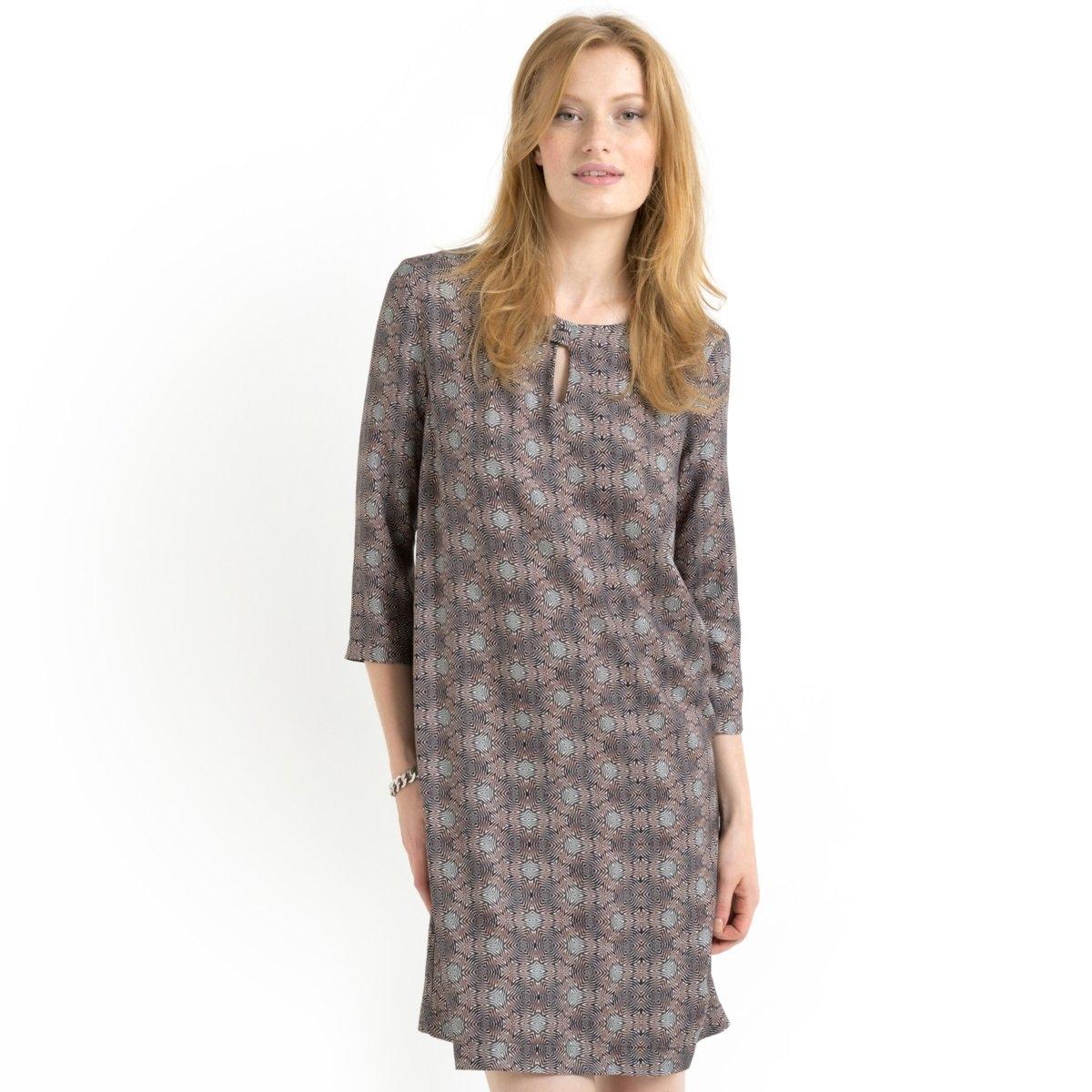 Платье прямое с рисункомПлатье из 100% вискозы. Круглый вырез с застежкой на металлическую пуговицу. Рукава 3/4. Длина 90 см.<br><br>Цвет: набивной рисунок<br>Размер: 38 (FR) - 44 (RUS).40 (FR) - 46 (RUS)