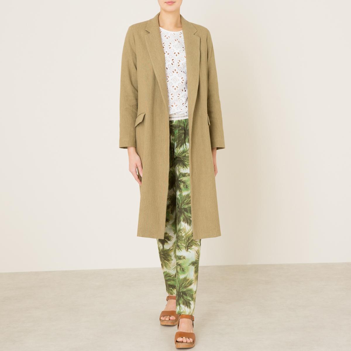 Пальто летнее длинноеДлинное летнее пальто POMANDERE - лен в составе, пиджачный воротник. Скрытая застёжка спереди. Горизонтальные прорезные карманы. Длинное пальто прямого и широкого покроя. Состав и описание   Материал : 57% льна, 43% хлопкаМарка : POMANDERE<br><br>Цвет: бежевый
