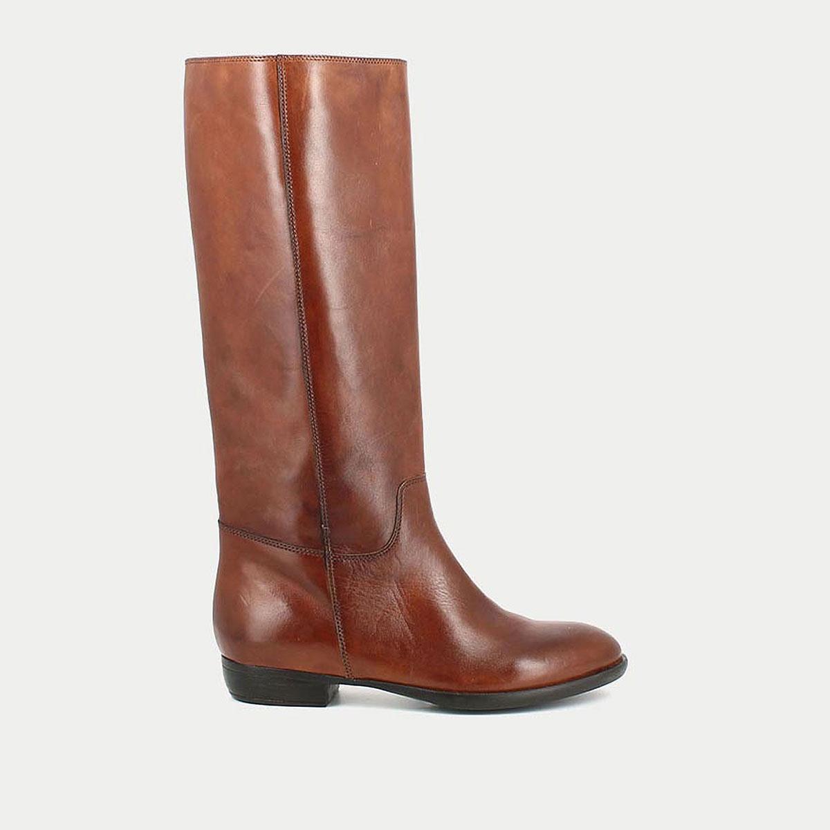 Сапоги кожаные на плоском каблуке 1137 цены онлайн