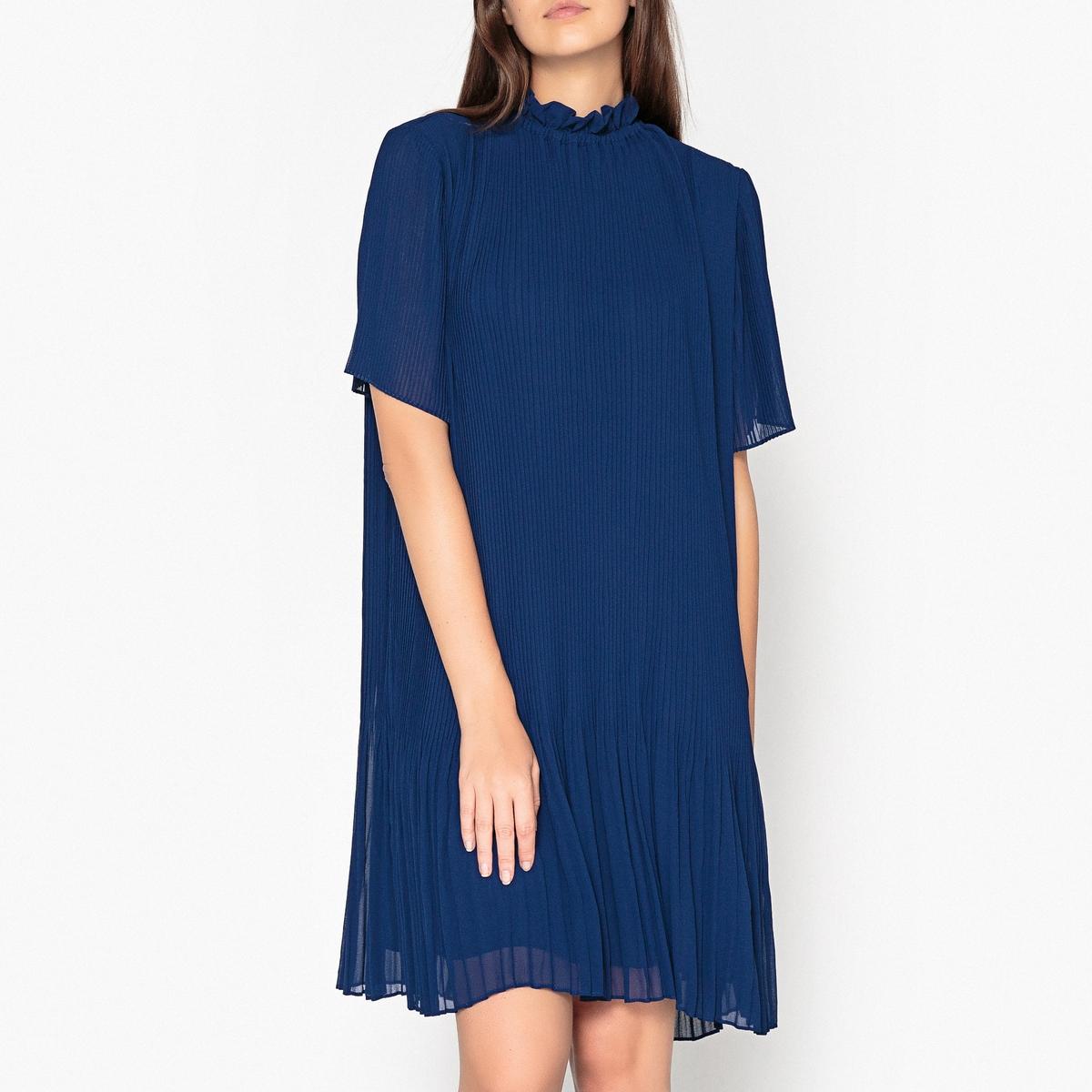 Платье плиссированное, укороченное с короткими рукавами