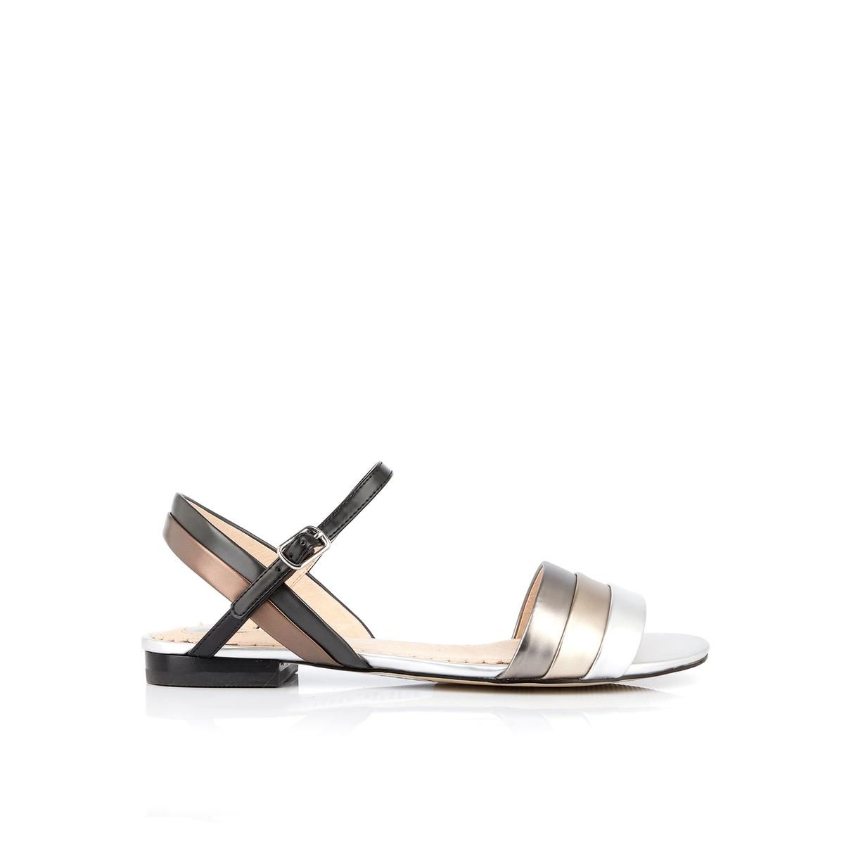 Босоножки на плоском каблуке Dany