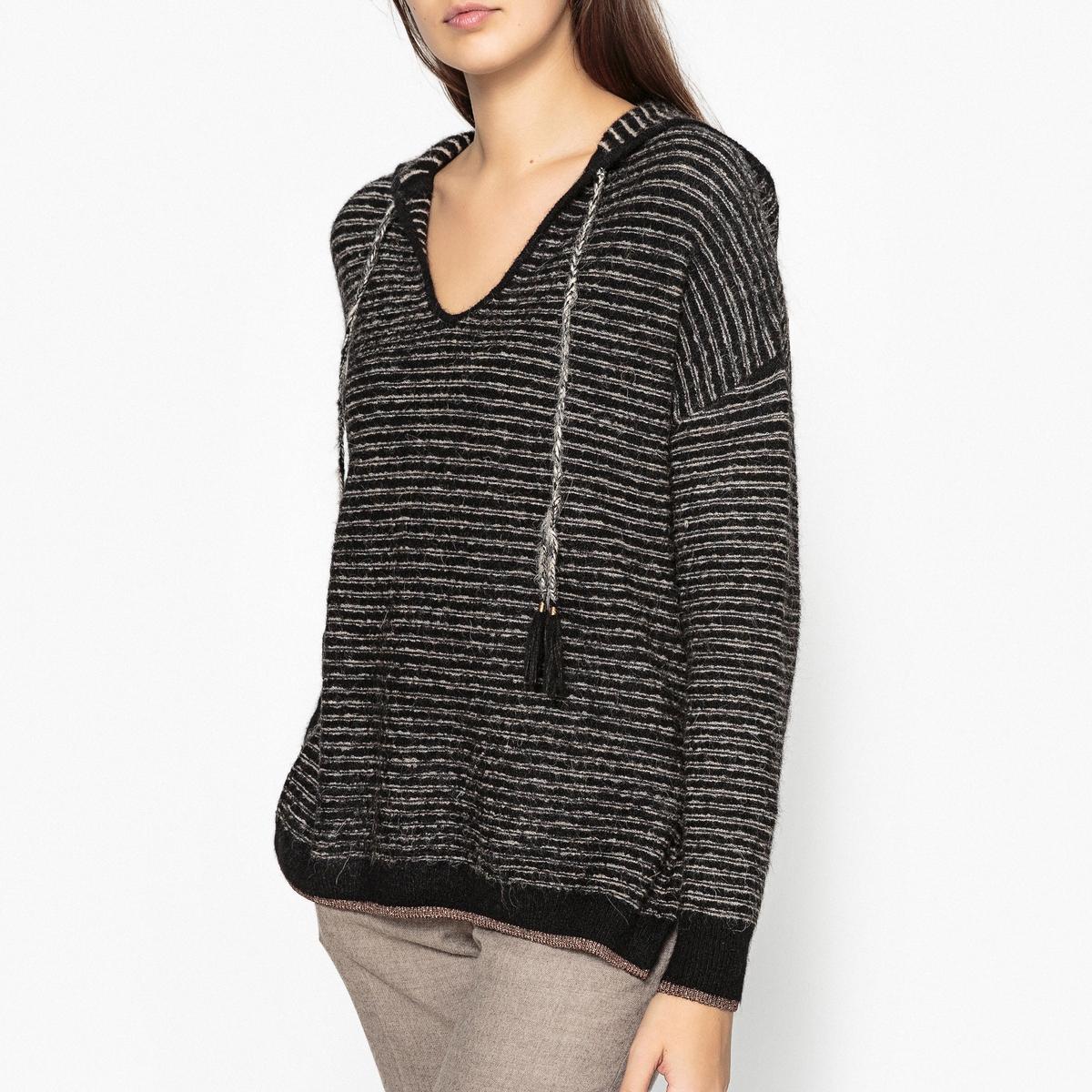 Пуловер свободного покроя с капюшоном