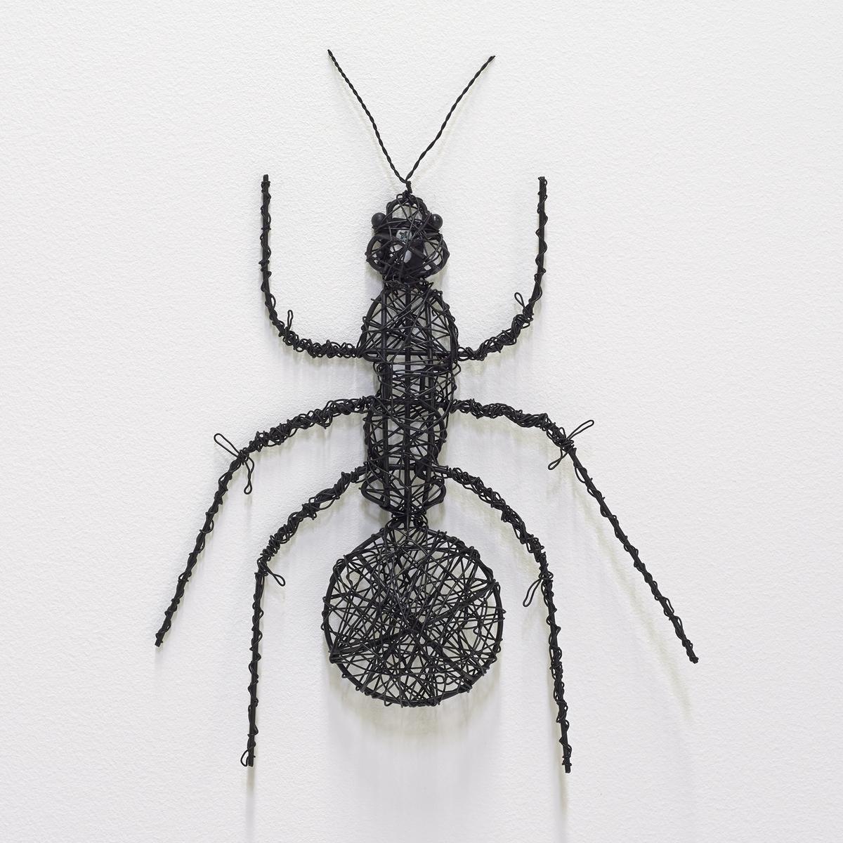Насекомое металлическое MichiМуравей. Из чёрного металла.Можно поставить или прикрепить на стену.Размеры:. 19 x 28 x 3 см.<br><br>Цвет: металл черный