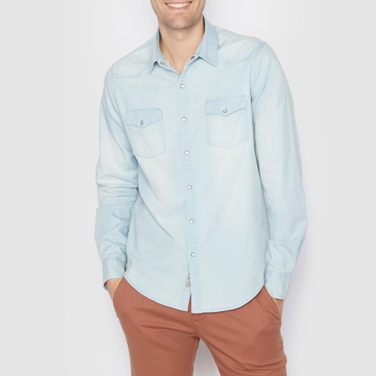 Рубашка джинсовая стандартного покроя. Длинные рукаваРубашка из денима, 100% хлопка . Стандартный (прямой) покрой  . В стиле вестерн . Застежка на кнопки . 2 нагрудных кармана с клапанами на кнопках . Длинные рукава . Длина 77 см .<br><br>Цвет: выбеленный<br>Размер: 39/40.45/46.47/48