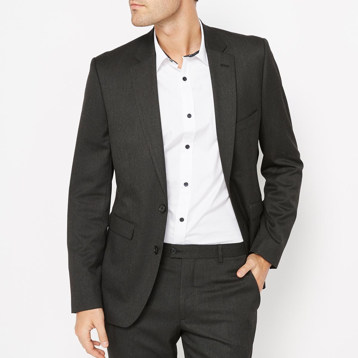 Пиджак костюмный, узкий покройКостюмный пиджак.Узкий покрой.Застежка на 2 пуговицы.2 кармана с клапанами спереди. 1 нагрудный карман.Края рукавов с 4 пуговицами.2 шлицы внизу сзади.2 внутренних кармана.Красивая внутренняя отделка. Состав и описание :Материал : 73% полиэстера, 24% вискозы, 3% эластана.Подкладка 100% полиэстерДлина : 75 см.Марка : R essentielУход :Сухая (химическая) чистка.<br><br>Цвет: антрацит,темно-синий<br>Размер: 44