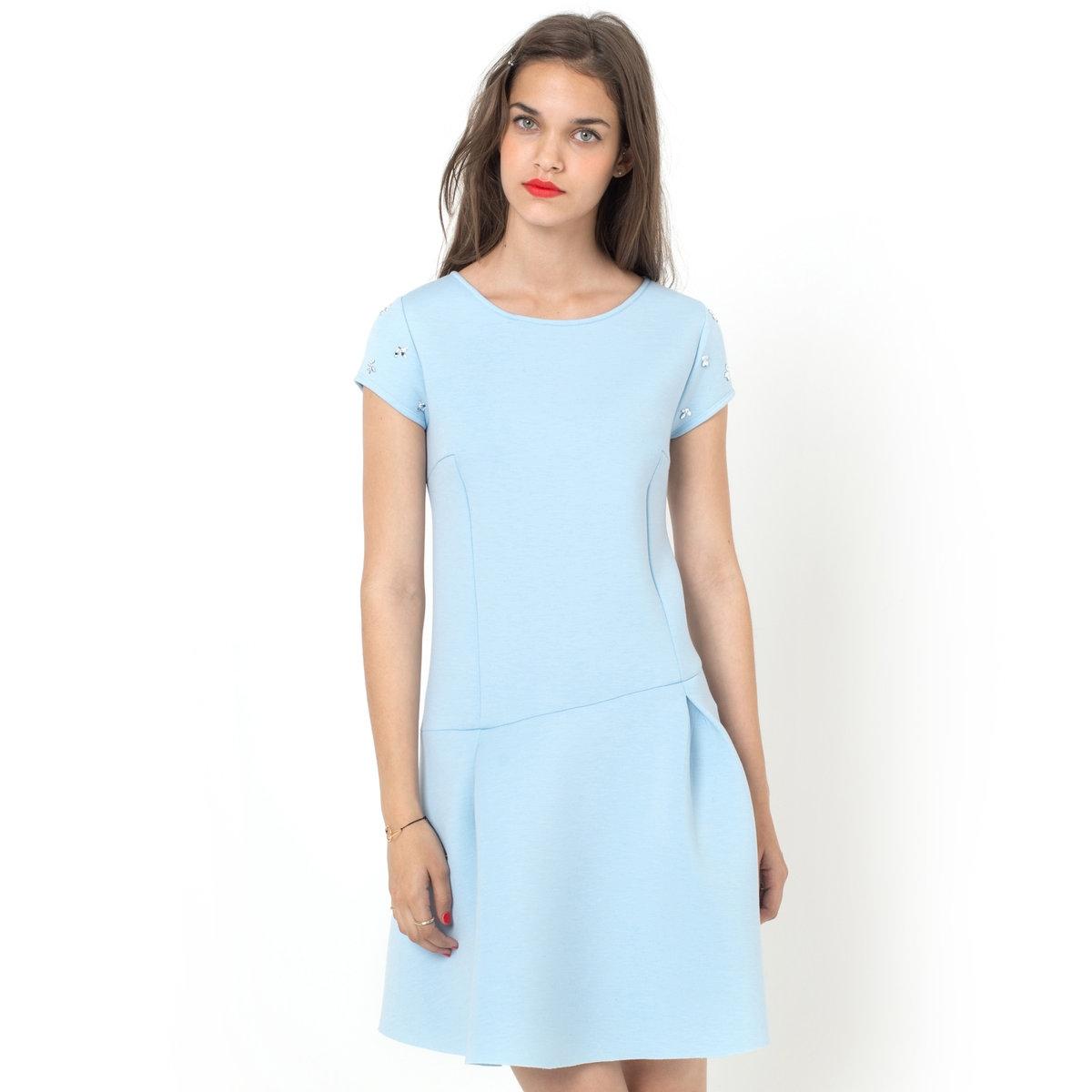 Платье из неопрена с короткими рукавами