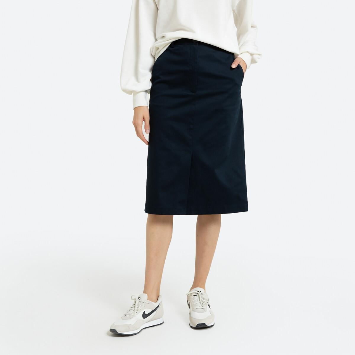 Falda recta, largo por las rodillas