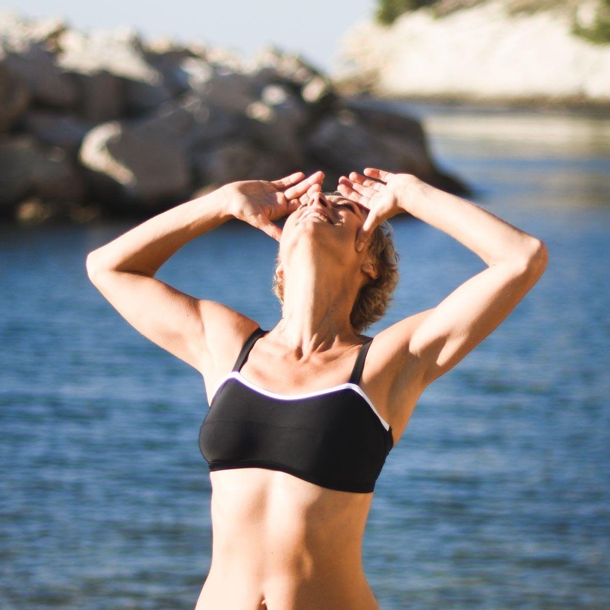 Haut de maillot de bain pour prothèses mammaires