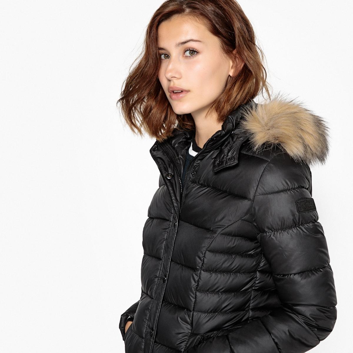 Куртка стеганая короткая с капюшоном, демисезонная модель