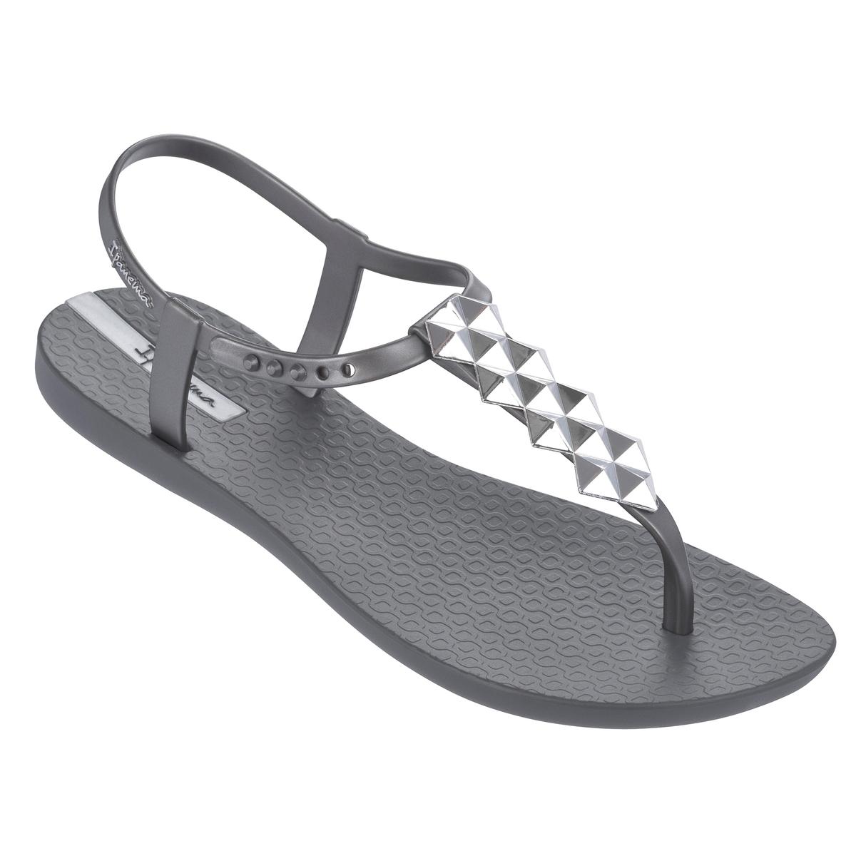 Босоножки Charm IIIВерх : Синтетический материал          Подошва : Синтетический материал         Форма каблука : плоский     Мысок : Открытый.     Застежка : Ремешок<br><br>Цвет: серый/ серебристый<br>Размер: 40