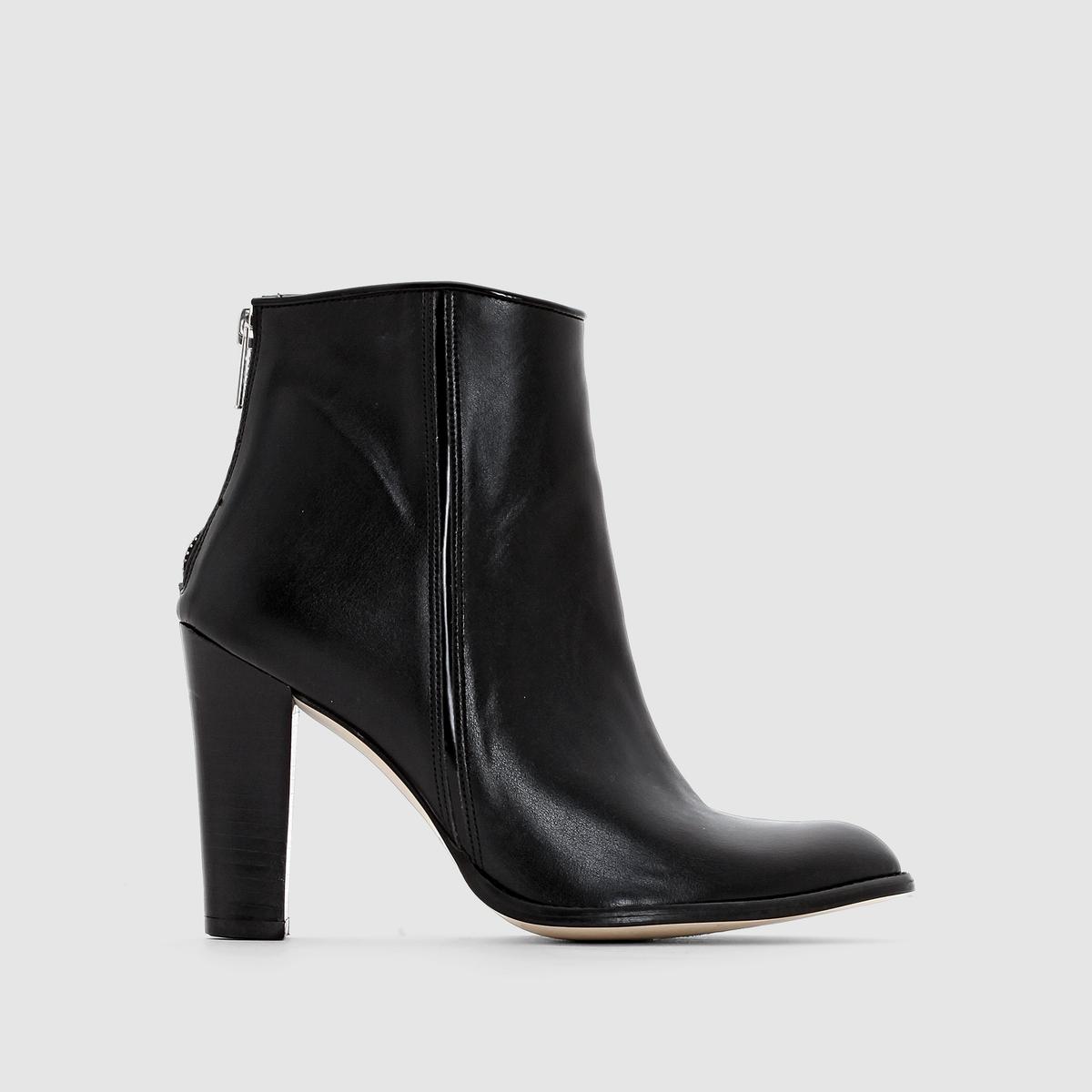 Ботильоны на каблуке, с застежками на молниюСтильные, трендовые ботинки. Высокий и в то же время устойчивый каблук... Наберите высоту в этих великолепных ботинках на каблуках !<br><br>Цвет: черный<br>Размер: 37