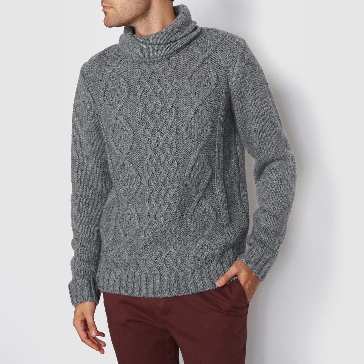 Пуловер с узором косы и воротником снуд