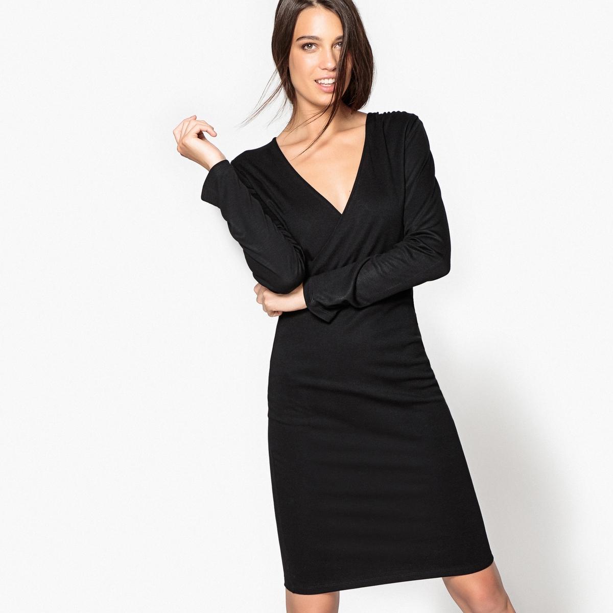 Платье из вискозы облегающее с вырезом-запахом