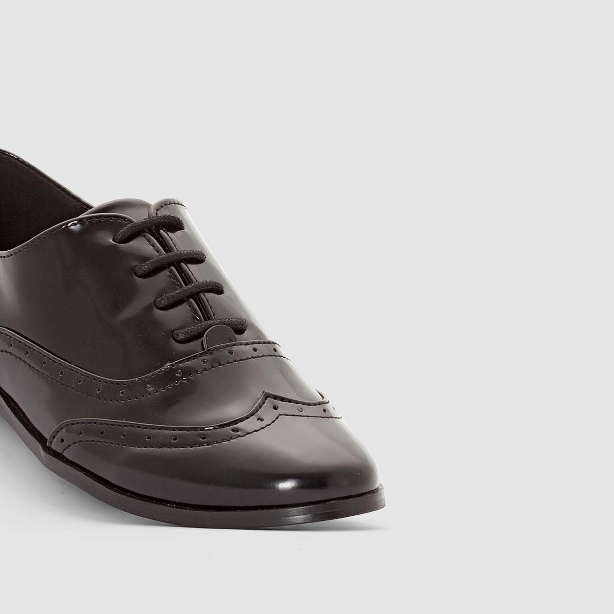 Ботинки-дерби черного цвета с перфорированным мыском