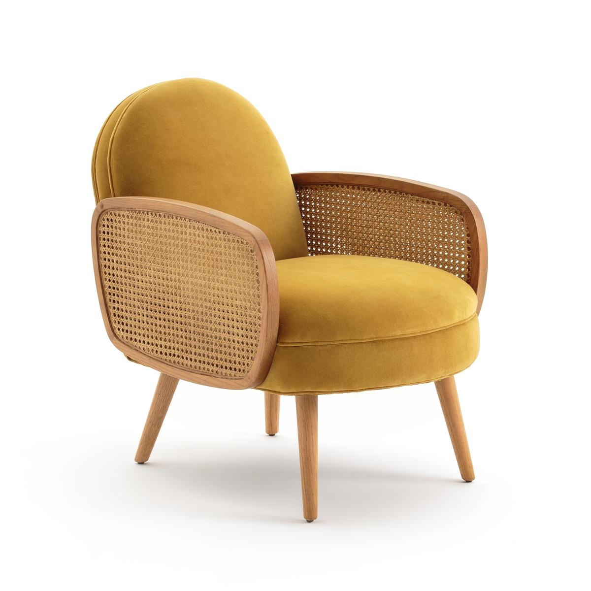 Кресло BUISSEAU с велюровой и плетеной отделкойОписание:Сочетание велюра и деревянного каркаса делают кресло Buisseau изысканным и очень элегантным.Размеры кресла Buisseau: •  Длина: 59,30 см. •  Высота: 75,40 см. •  Глубина: 82,10 см. •  Сиденье: Д.54/43 x В.45 x Г.55 см. •  Высота подлокотников: 59 см.Описание кресла Buisseau:Обивка: •  Обивка: велюр, 100% полиэстер. •  Наполнитель: пенополиуретан, 28 кг/м? . •  Система эластичных ремней. •  Мягкое сиденье.Характеристики кресла Buisseau: •  Каркас из сосны, подлокотники и веретенообразные ножки из массива дуба. •  Отделка подлокотников краской черного цвета, нитролаком желтого цвета с имитацией дуба. •  Двойное плетение внутри подлокотников. •  Пластиковые защитные накладки.Другие модели кресел вы найдете на  laredoute.ru.Доставка:Для кресла Buisseau предусмотрена самостоятельная сборка. Доставка до квартиры! Внимание! Убедитесь, что товар возможно доставить на дом, учитывая его габариты (проходит в двери, по лестницам, в лифты). •  Каркас, подлокотники и ножки из гевеиРазмеры и вес упаковки:1 упаковка •  Д.88 x В.64 x Г.66 см, 16.6 кг.<br><br>Цвет: желтый горчичный,черный