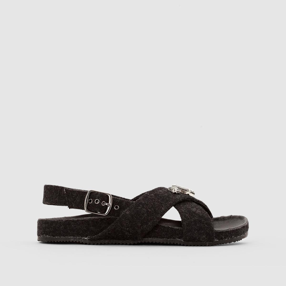 Сандалии из искусственного войлока с украшениемПреимущества : очень оригинальные сандалии с верхом из искусственного войлока, декорированные украшением спереди.<br><br>Цвет: серый<br>Размер: 41.40
