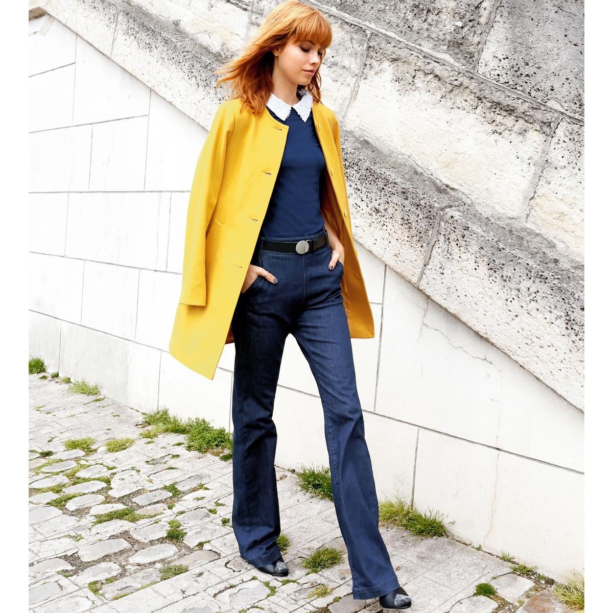 Пальто длинное 50% шерстиПальто длинное без воротника из шерстяного драпа. Длинные рукава. Застежка на пуговицы. 2 прорезных кармана. Вышивка золотистый бант вверху спинки .Состав и описание : Материал 50% шерсти, 40% полиэстера, 5% акрила, 5% других волокон Подкладка    100% полиэстераДлина 85 см Бренд: Mademoiselle R Уход :Сухая чистка..Машинная сушка запрещена.Гладить при умеренной температуре..<br><br>Цвет: черный<br>Размер: 40 (FR) - 46 (RUS)