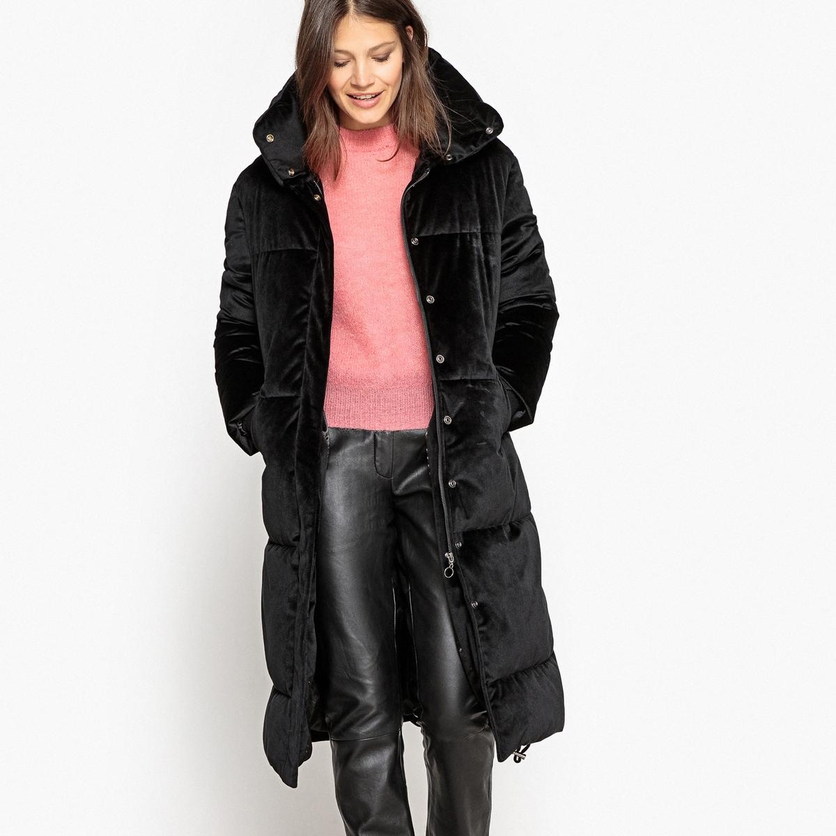 Куртка велюровая длиннаяОписание:Этой зимой велюр снова в моде . Вам будет приятно укутаться в эту стеганую куртку из велюра. Стильная куртка, которая вам сразу придется по вкусу !Детали •  Длина  : удлиненная модель •  Воротник-стойка •  Застежка на молниюСостав и уход •  100% полиэстер •  Подкладка : 100% полиэстер •  Наполнитель : 100% полиэстер •  Следуйте советам по уходу, указанным на этикетке •  Длина  : 110 см.<br><br>Цвет: черный<br>Размер: 34 (FR) - 40 (RUS).36 (FR) - 42 (RUS)